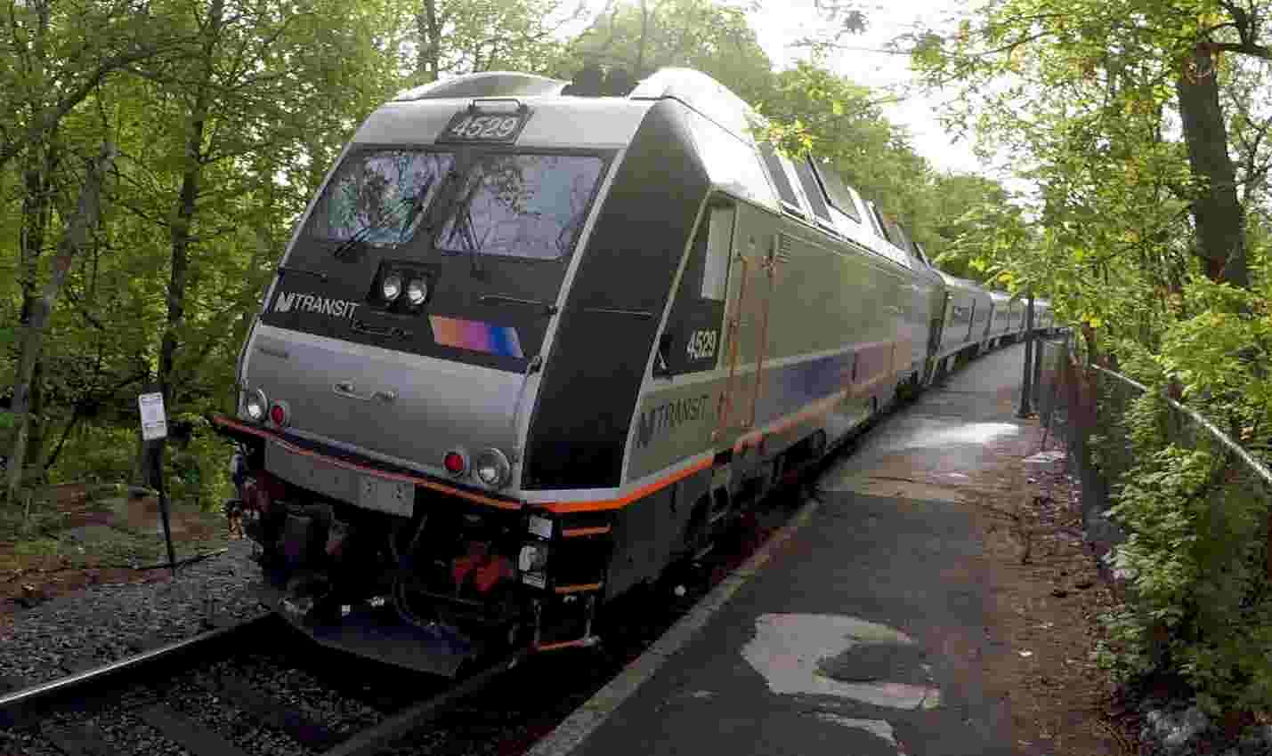 Video: Rockland express train dropped
