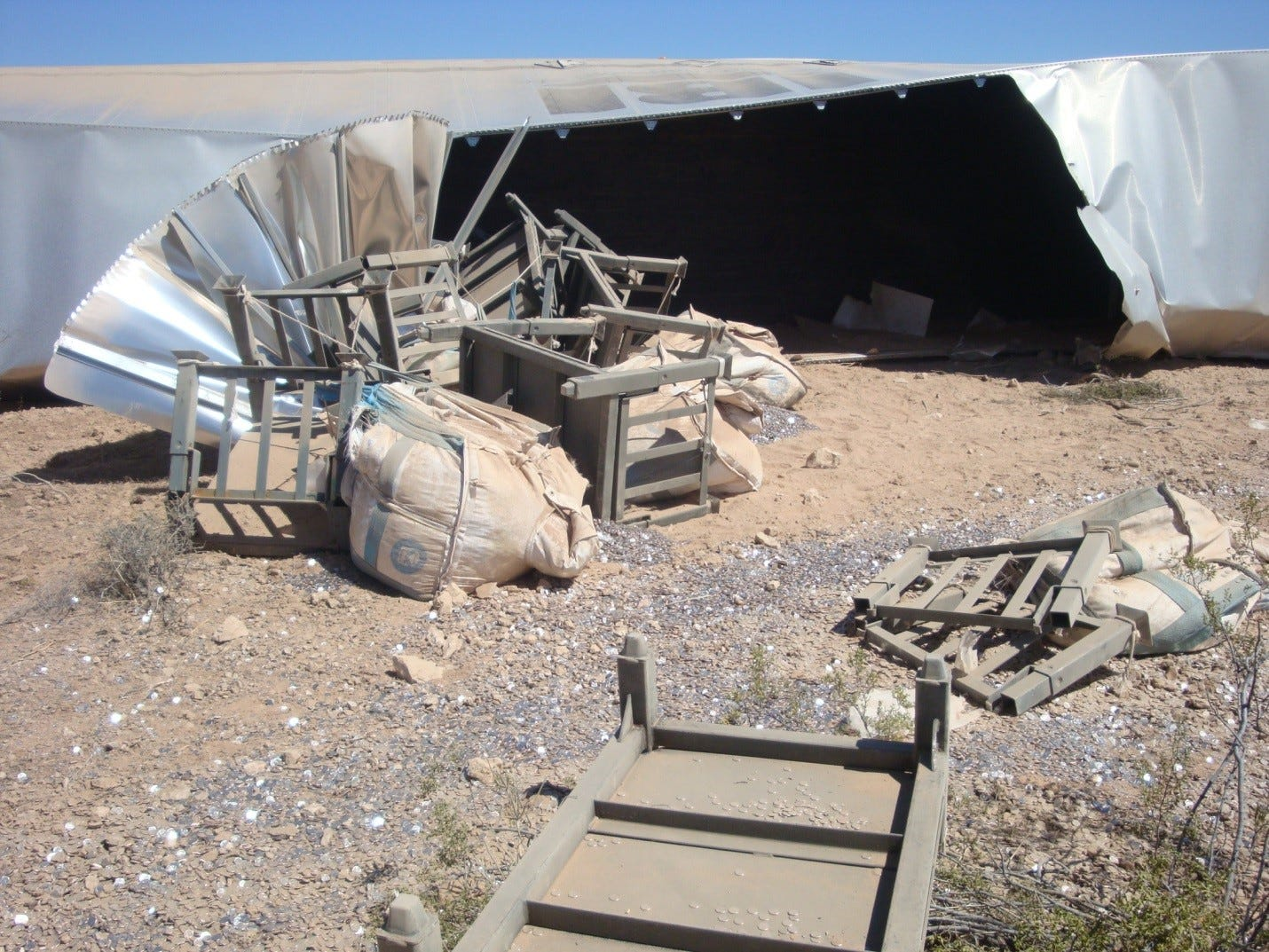 Overturned semi spills 8 million dimes on I-15 in Nevada
