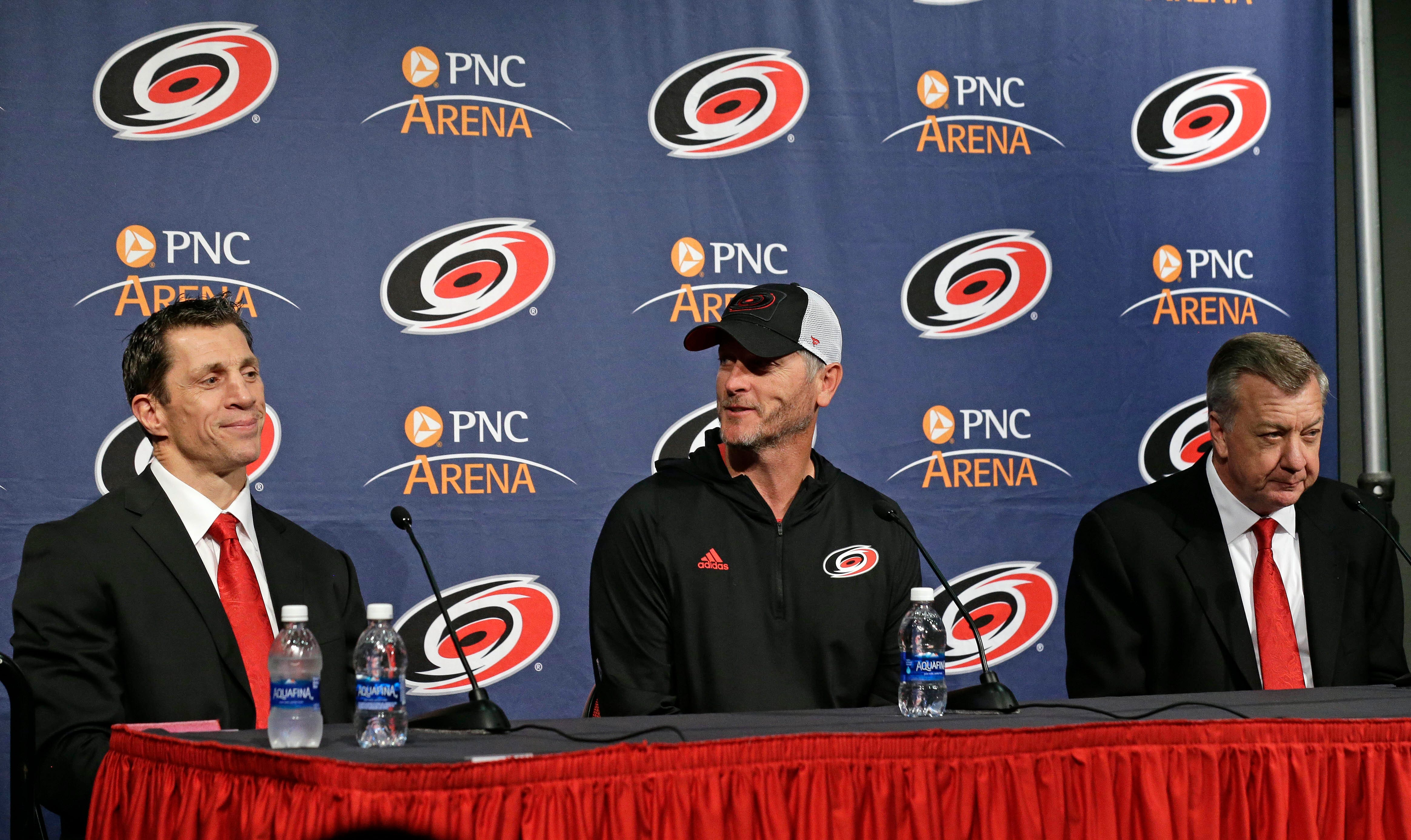 Brind'Amour eager to lead slumping 'Canes back to glory