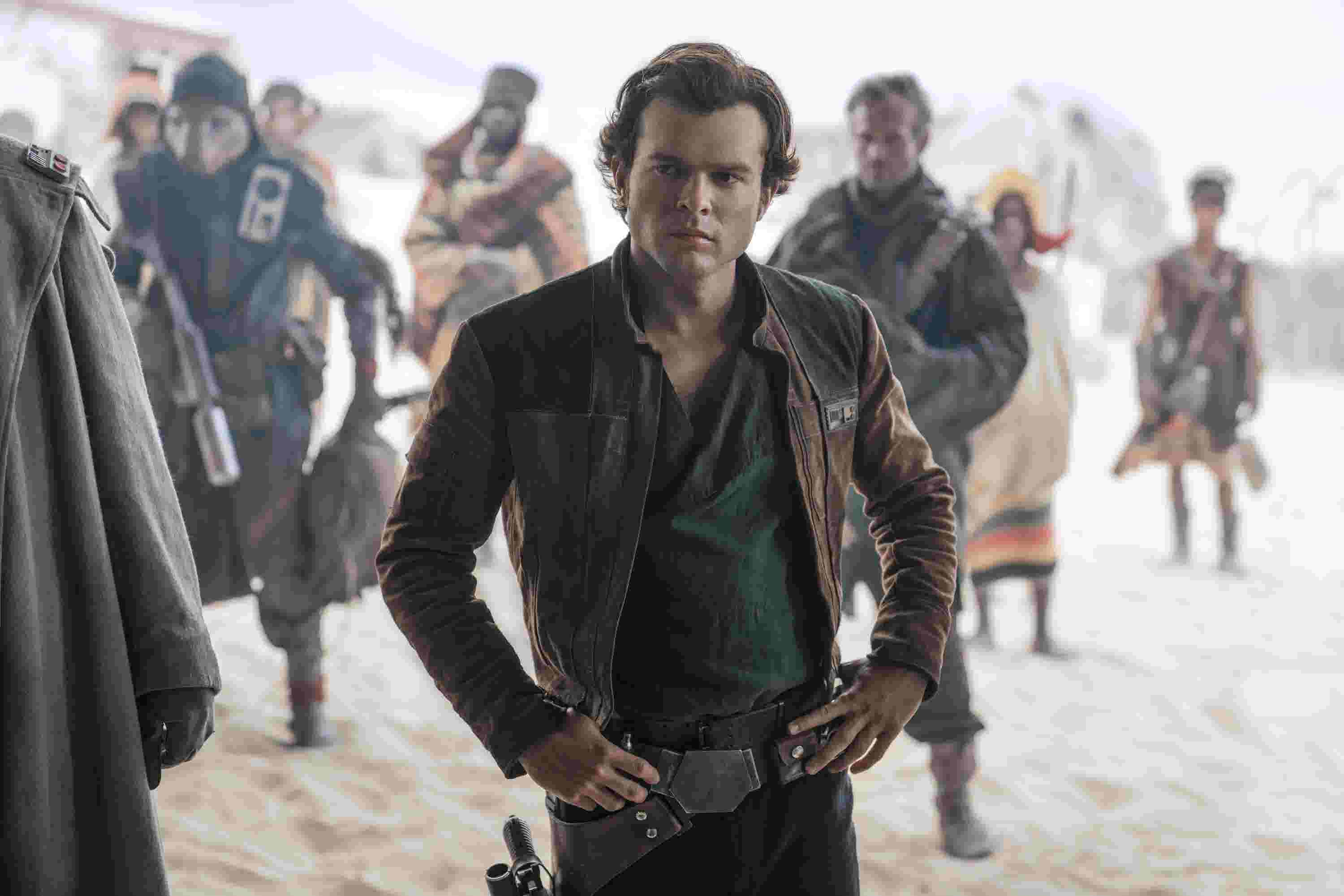 How Donald Glovers Lando Calrissian Stole Solo A Star Wars Story