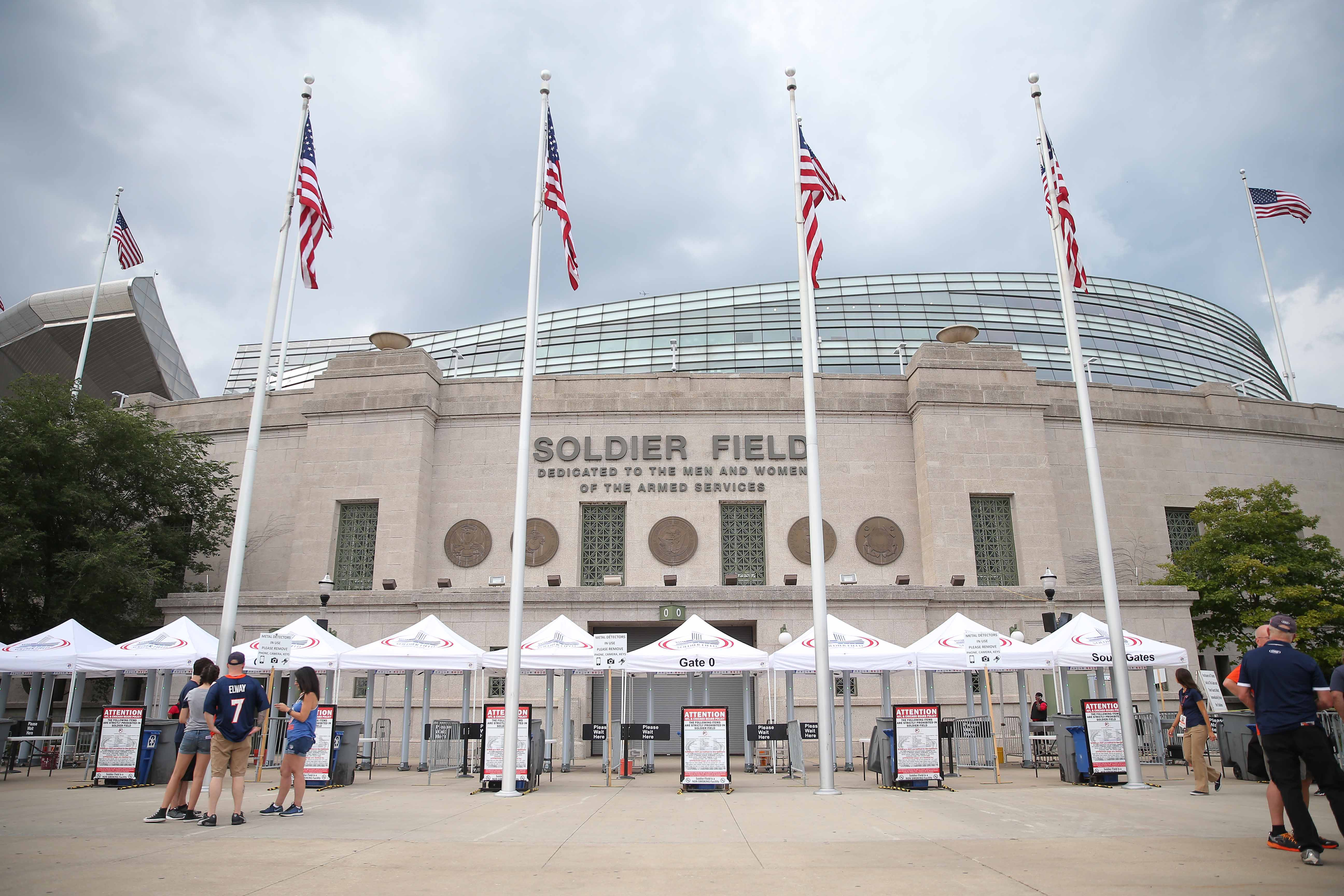 Fire breaks out near Chicago Bears' Soldier Field after propane tank explosion ignites tent