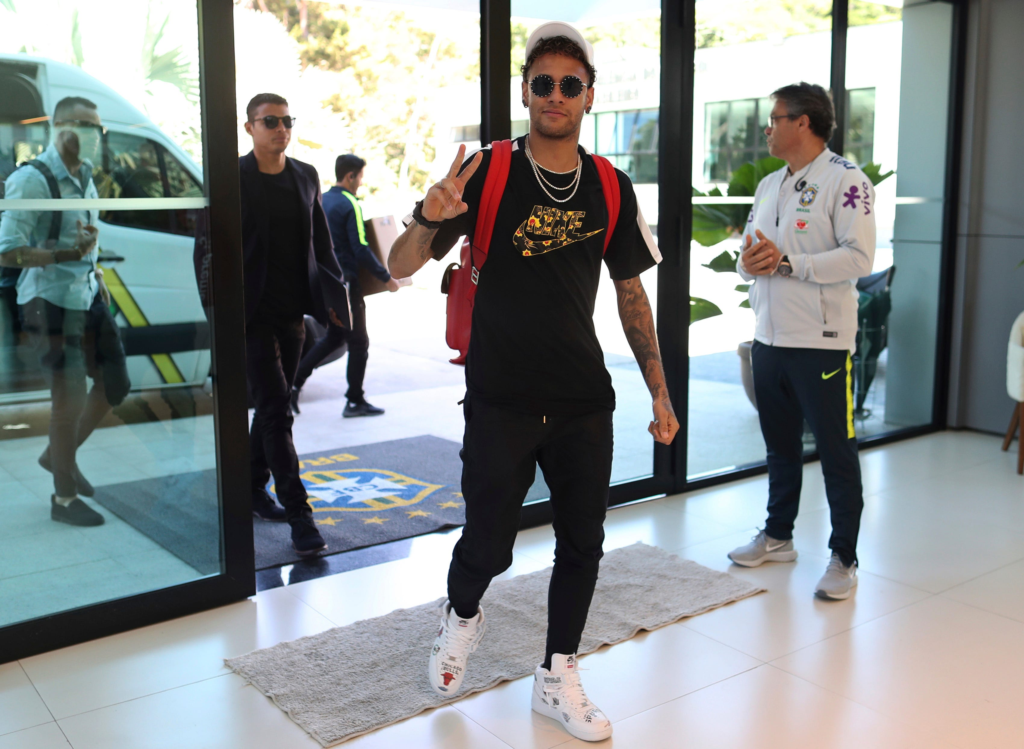 Brazil wants to lower Neymar's expectations for World Cup