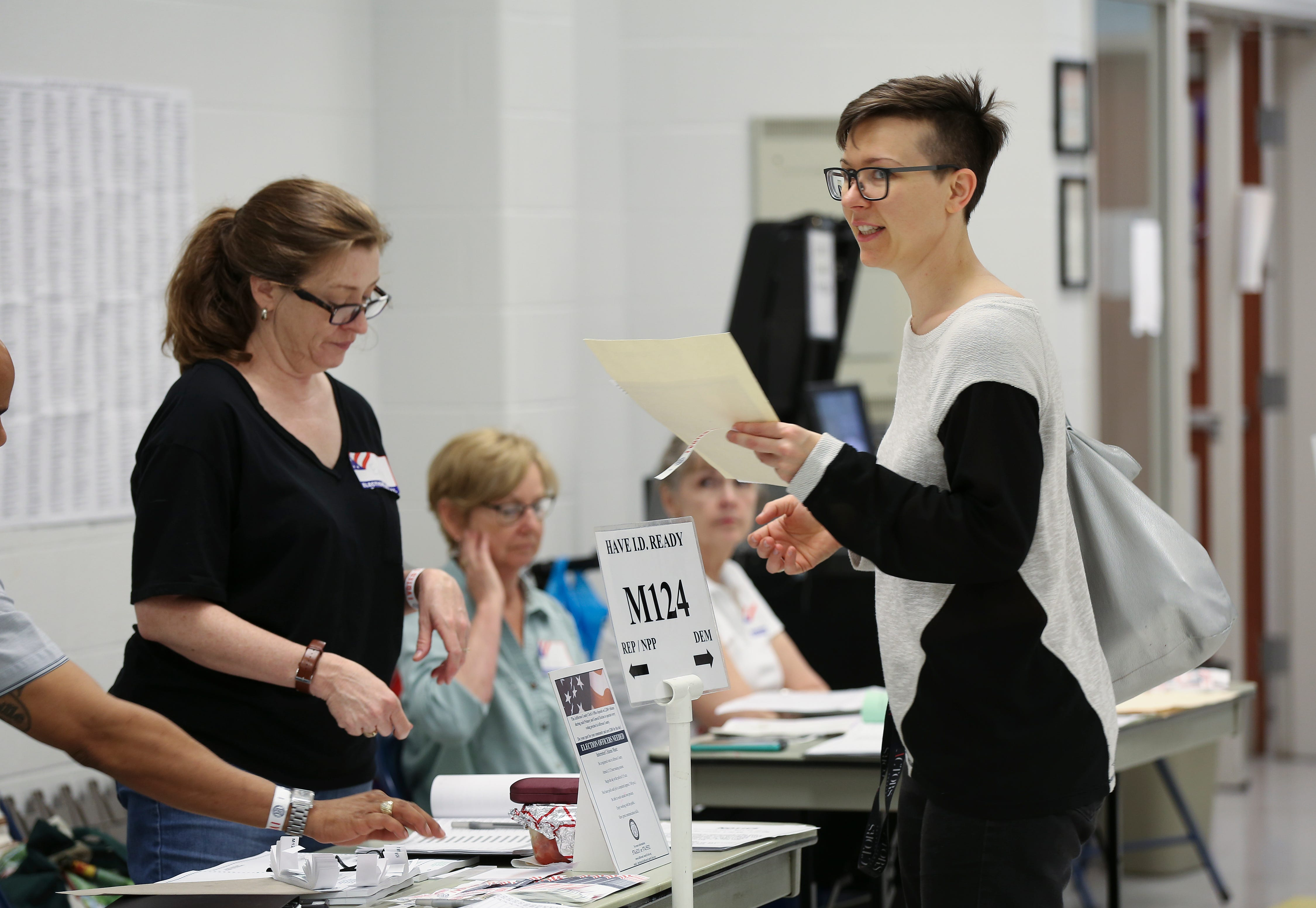 64eaddb863 http   www.courier-journal.com picture-gallery news politics 2018 07 ...