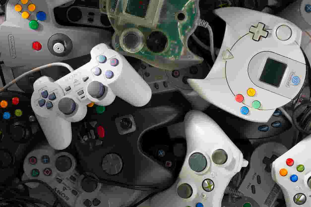 Your Vintage Video Game Systems Old Ipods And Tvs Are Worth Money