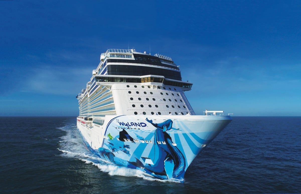 Norwegian Cruise Line raises beverage package price