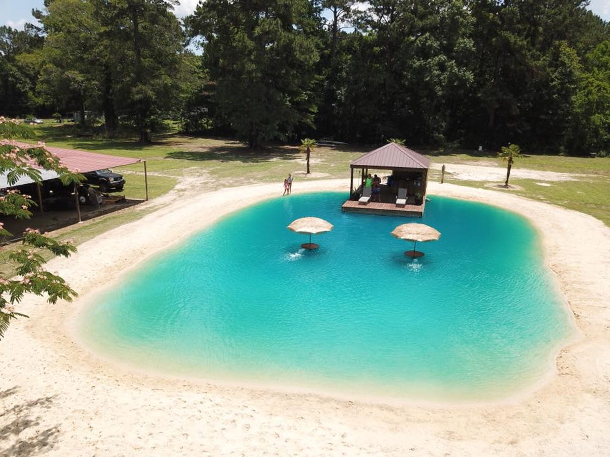 Louisiana man makes fortune building beaches in people\'s backyards