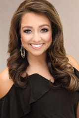 Miss Tennessee 2018 contestant Miss Capital City Alexandra Wallace introduces herself.