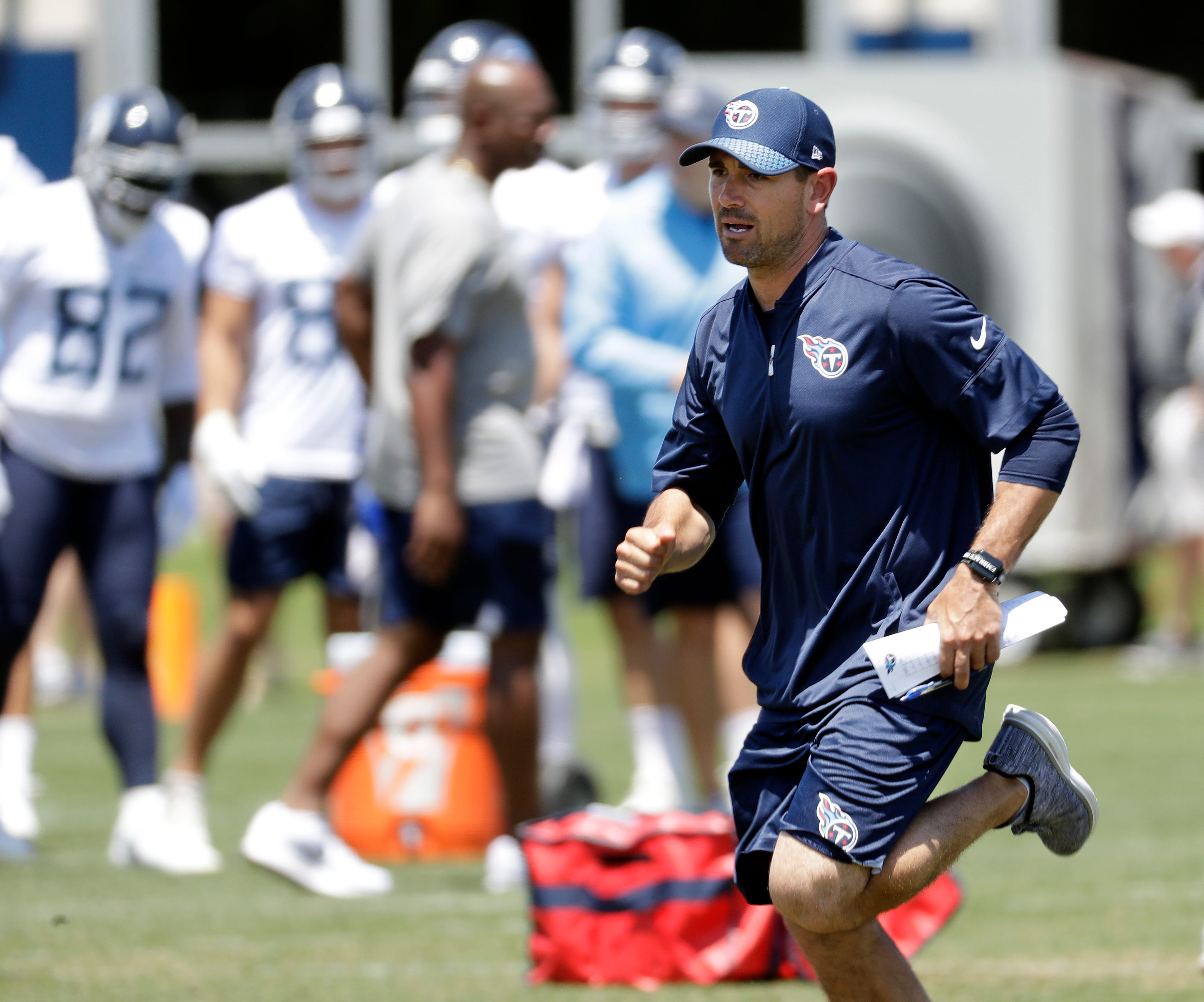 Titans new offensive coordinator, Mariota learning together