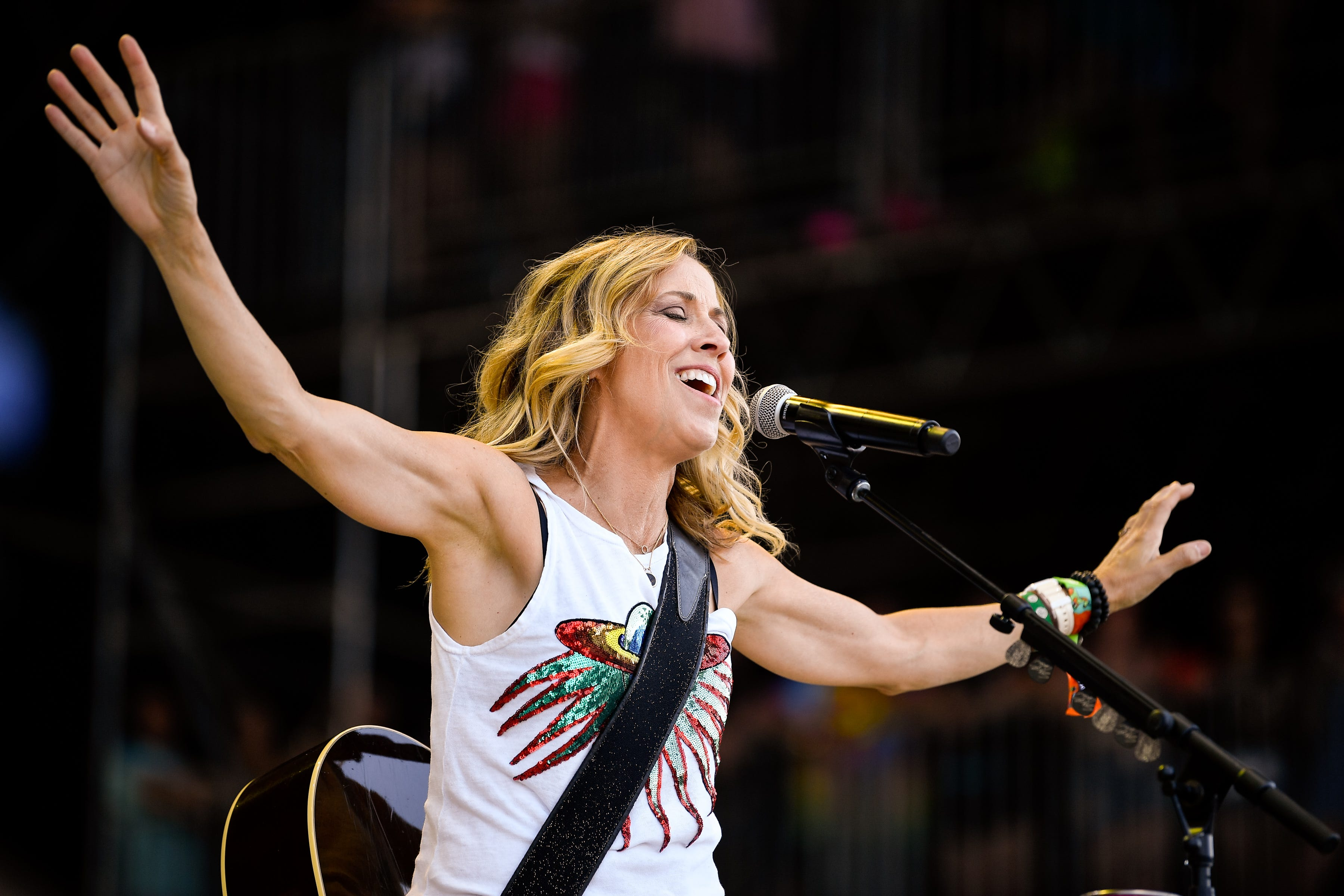 Sheryl Crow plans streaming concerts from her  Big Green Barn