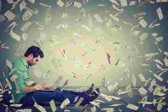Millennial men and women handle money differently