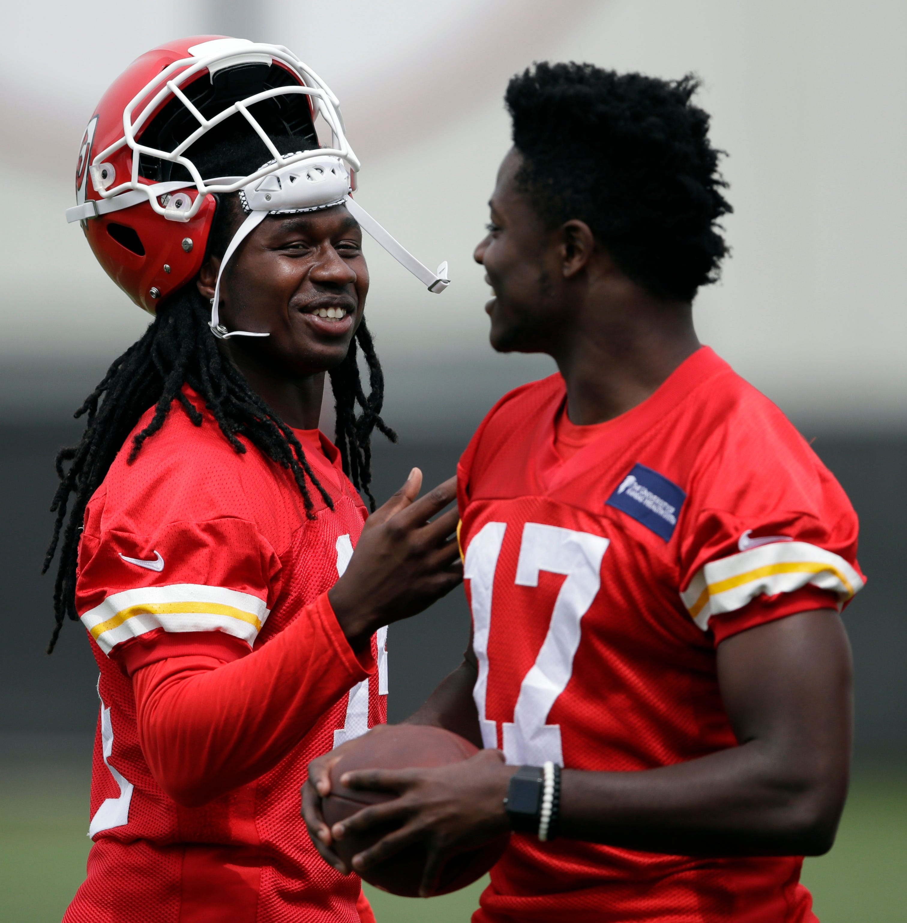 Chiefs' Sammy Watkins has No. 1 receiver money but unlikely to get No. 1 receiver stats