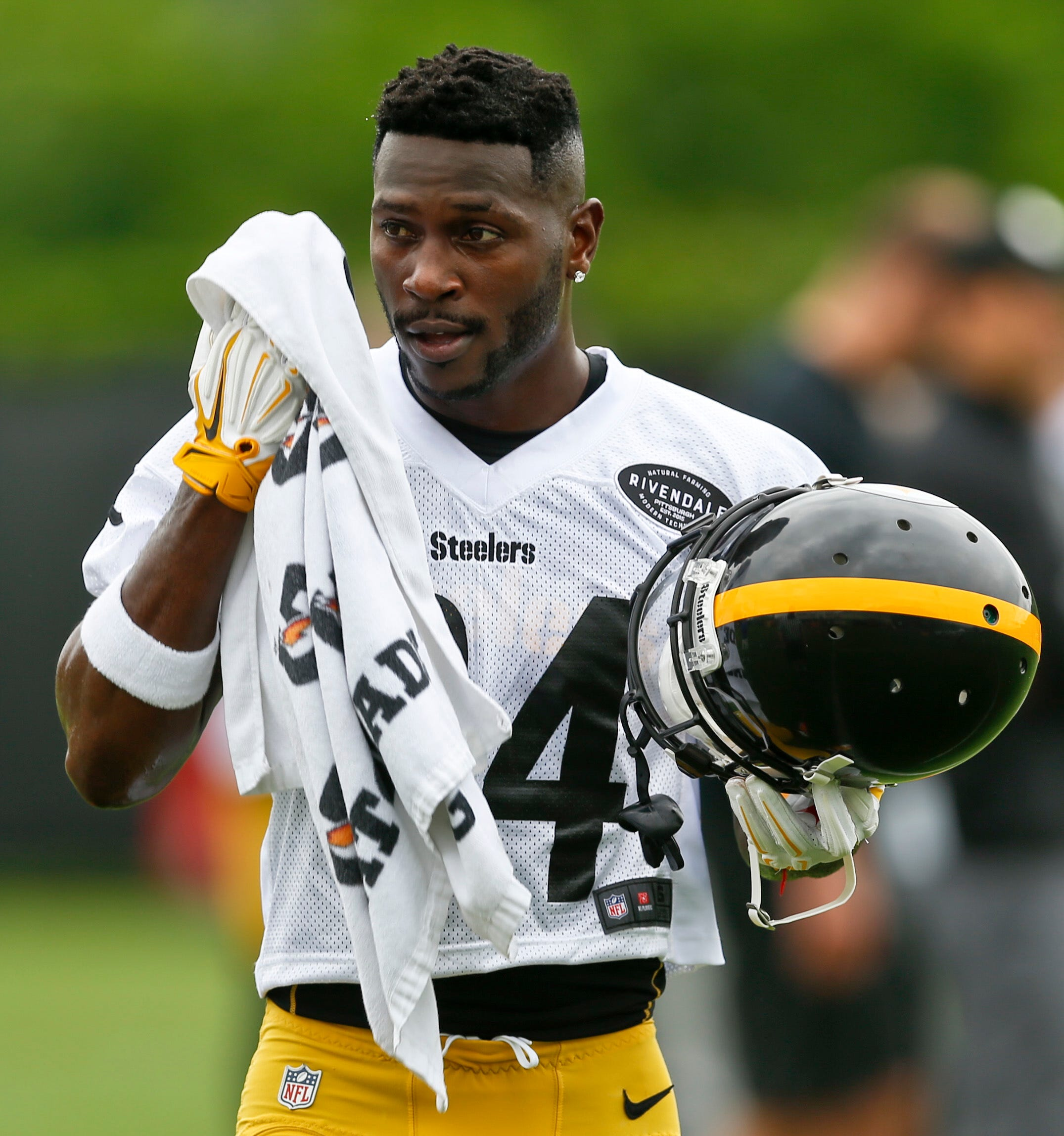 Antonio Brown blames media 'pressure' for his absence from Steelers OTAs