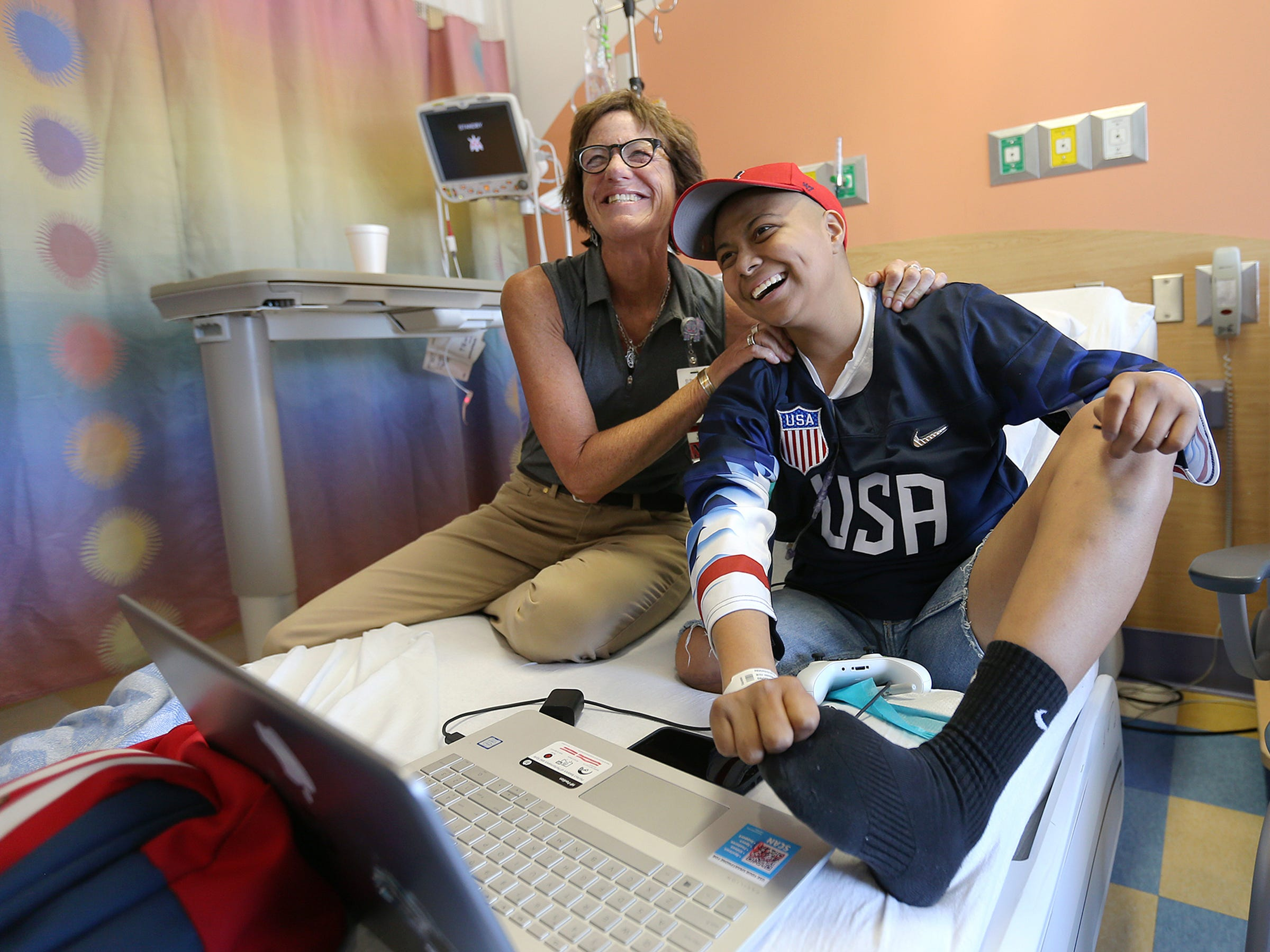 Del Valle soccer player Janet Rodriguez's strength during cancer fight inspires others | El Paso Times