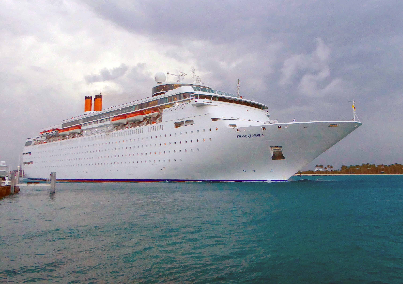 Cruise ship tours: Inside Bahamas Paradise Cruise Line's Grand Classica