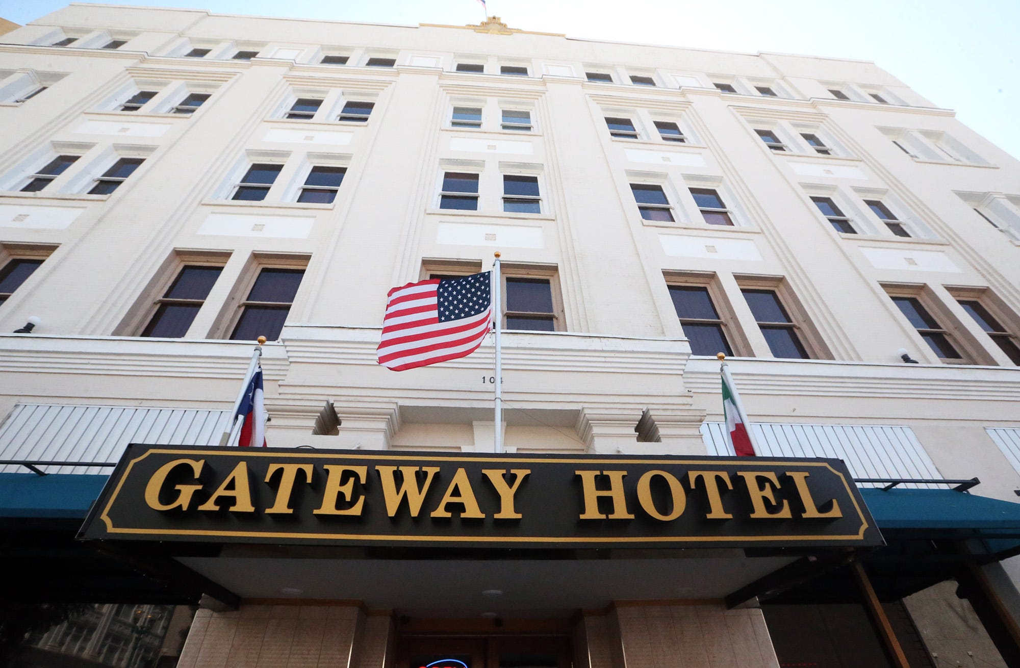 El Paso Gateway Hotel restoration an ongoing labor of love for South Korean immigrant | El Paso Times
