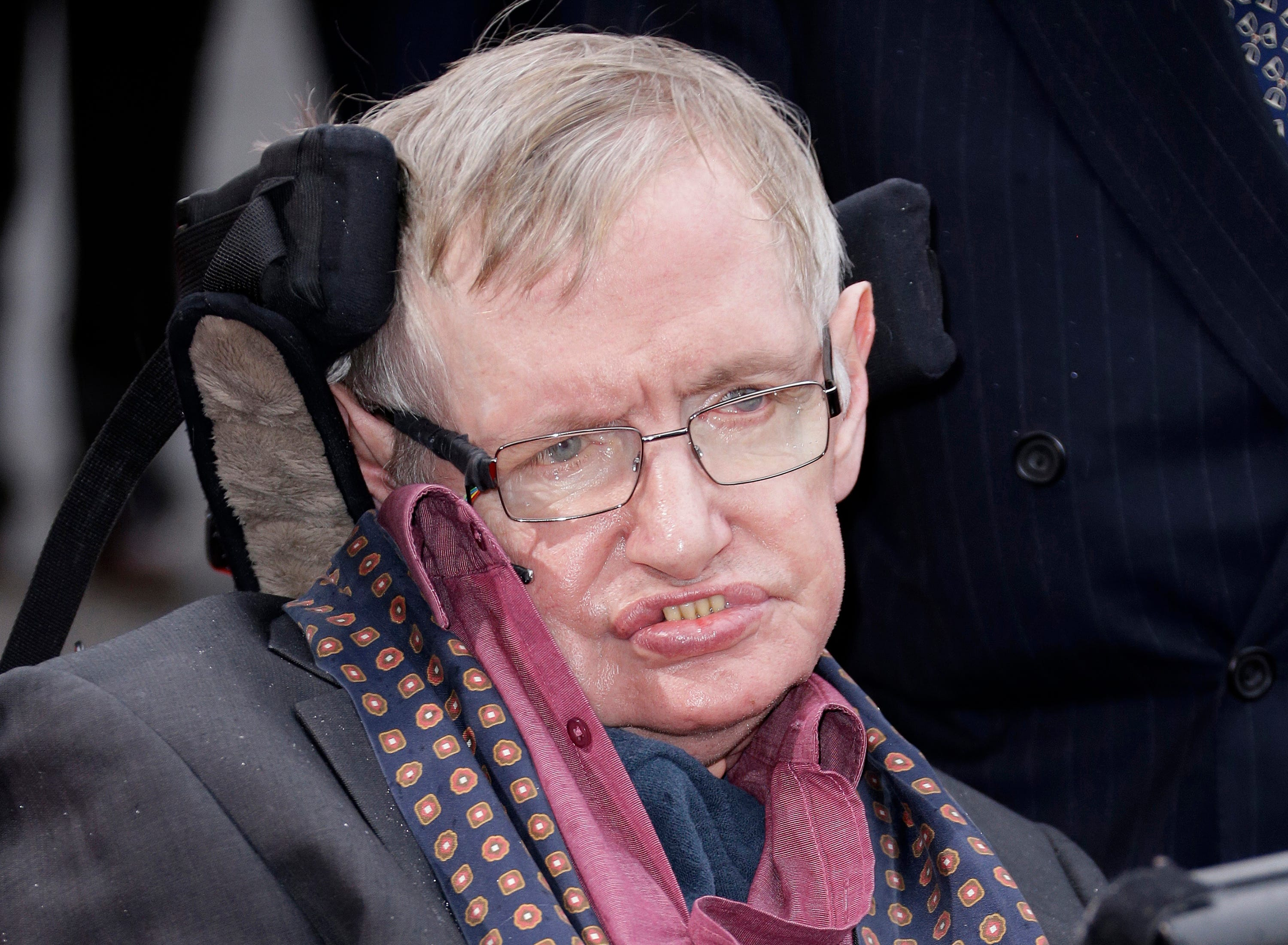 Stephen Hawking warns that AI, 'superhumans' could wipe humanity in posthumous book | Clarion Ledger