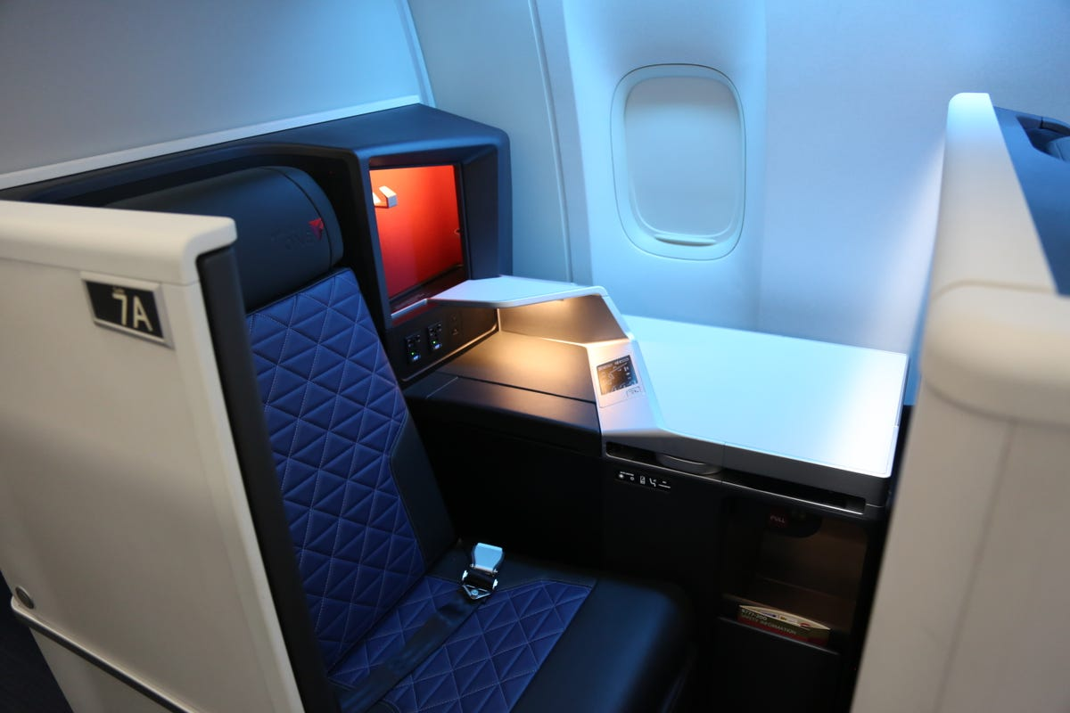 Delta shows off first Boeing 777 retrofitted with new cabin