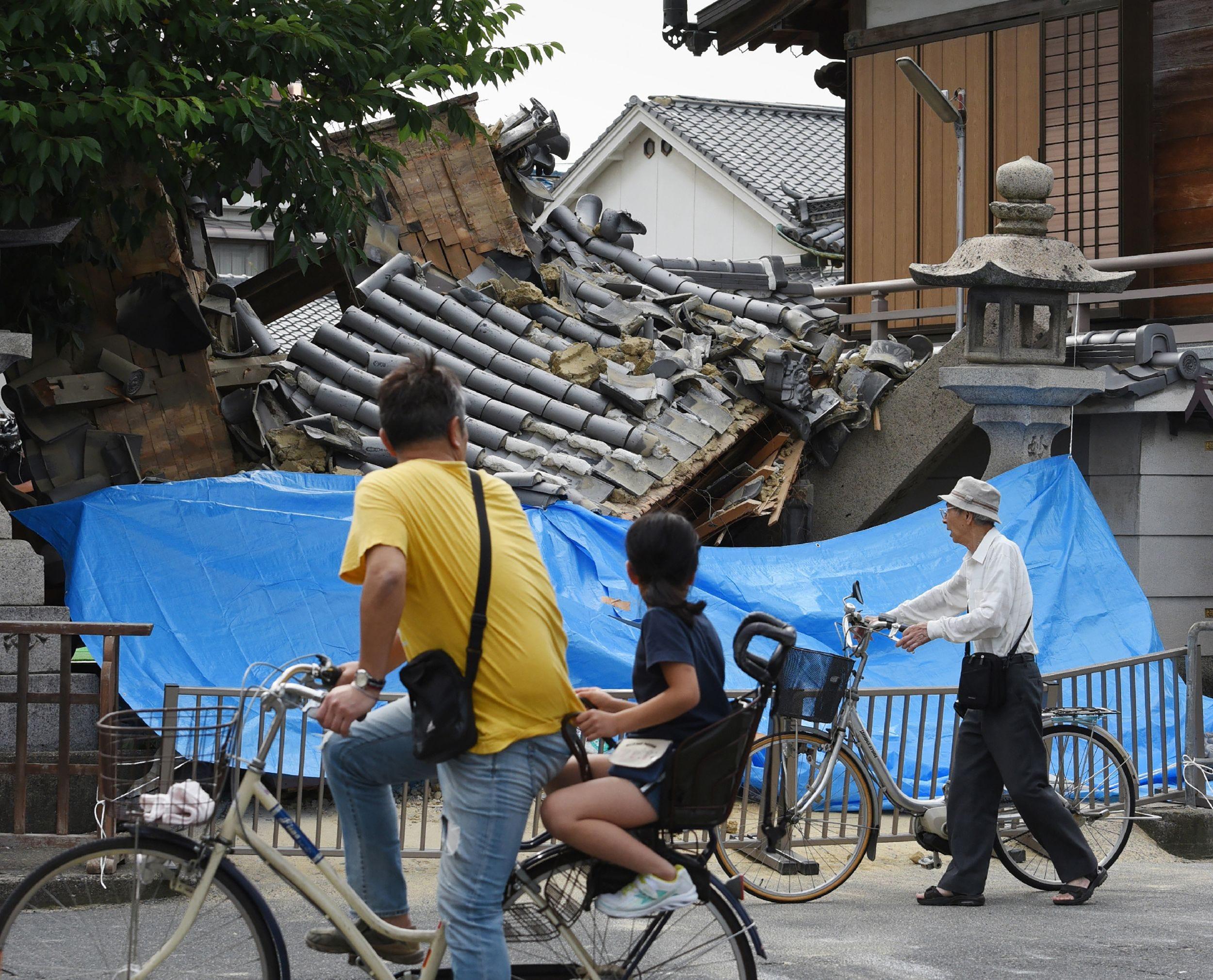 Strong earthquake near Osaka in Japan kills 3, injures hundreds
