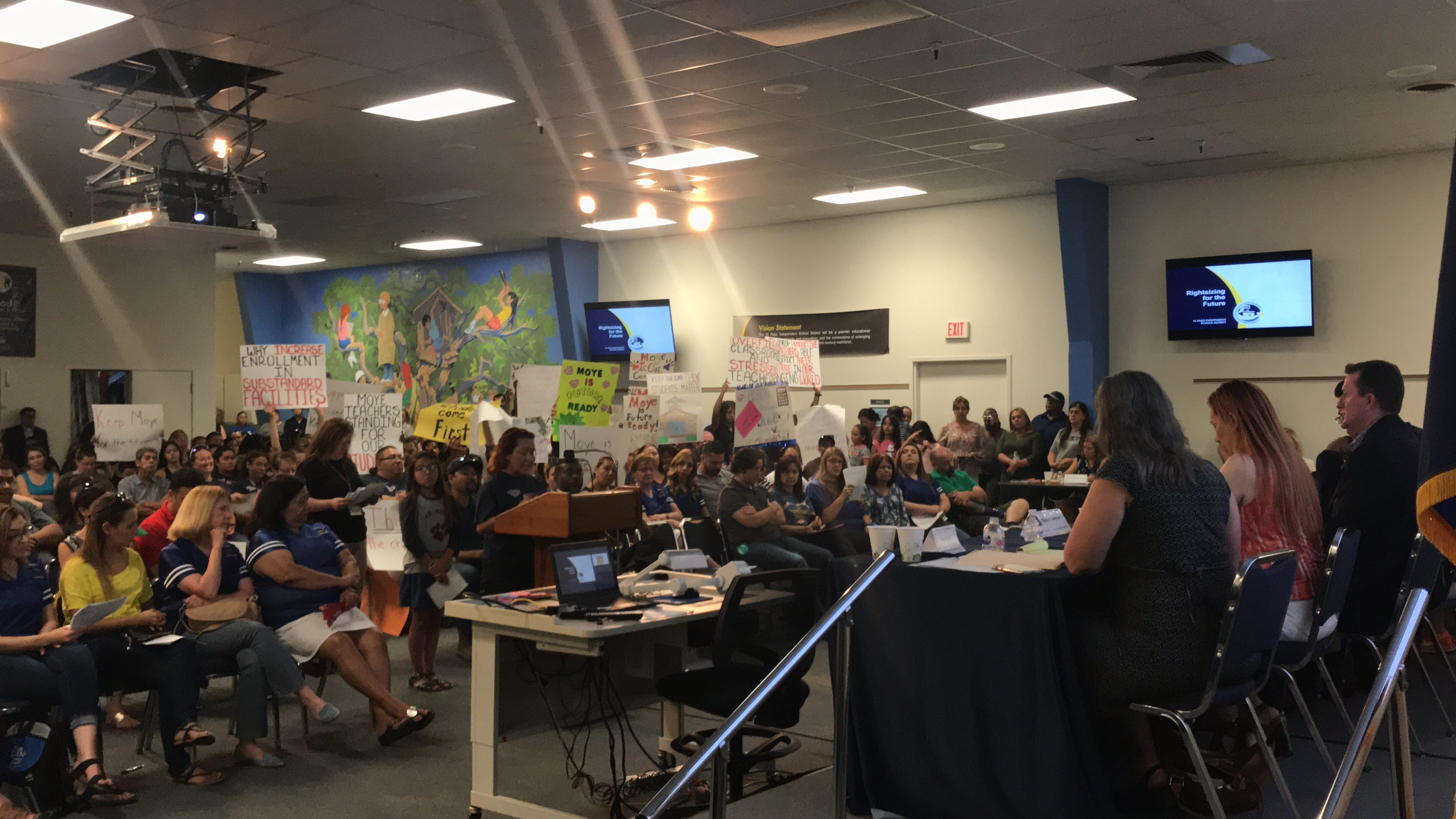 Here's what people had to say at EPISD meetings on proposed school closures | El Paso Times