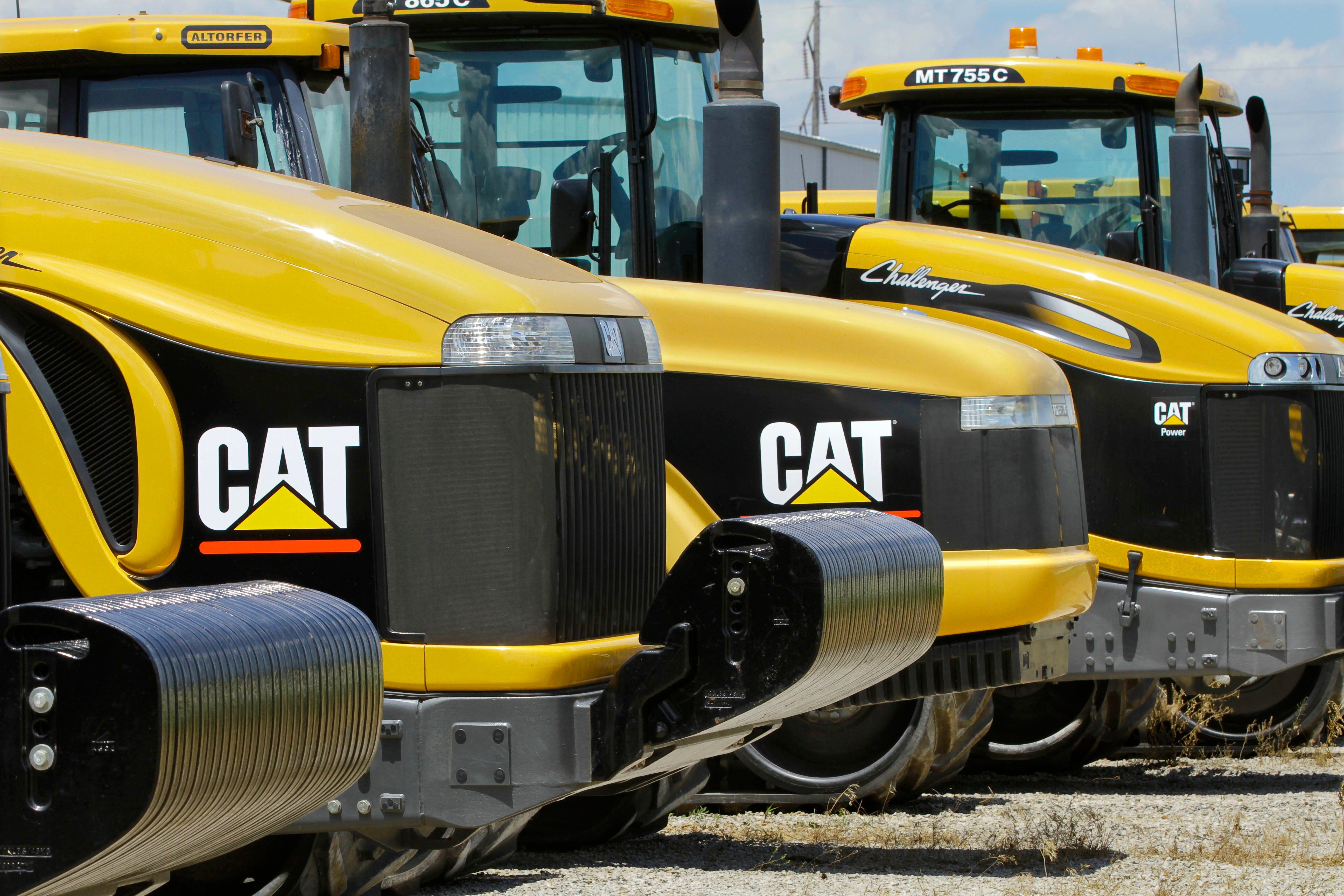 Caterpillar warns of steel tariff impact but reports upbeat earnings