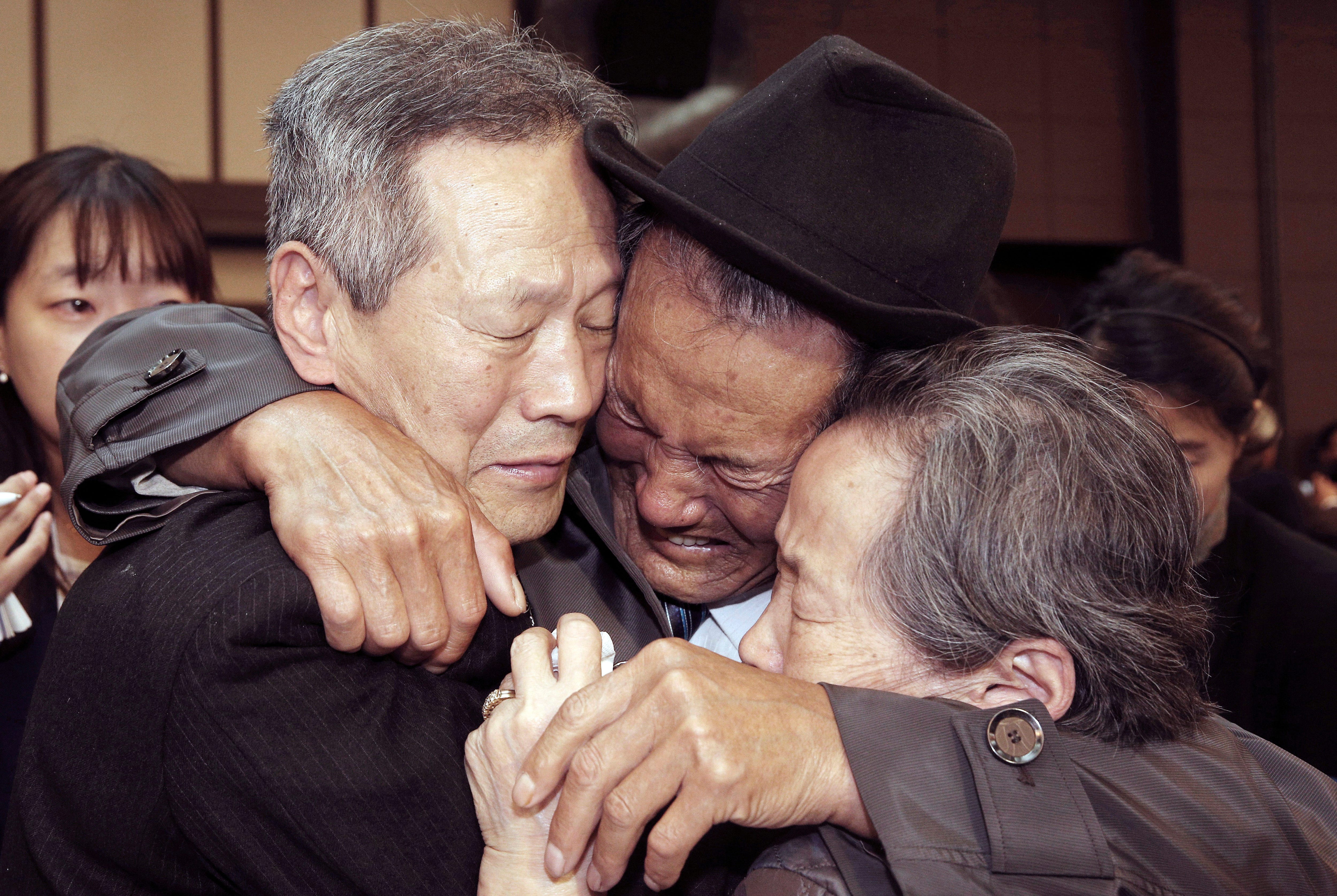 Reunions for families separated by Korean War to resume in August