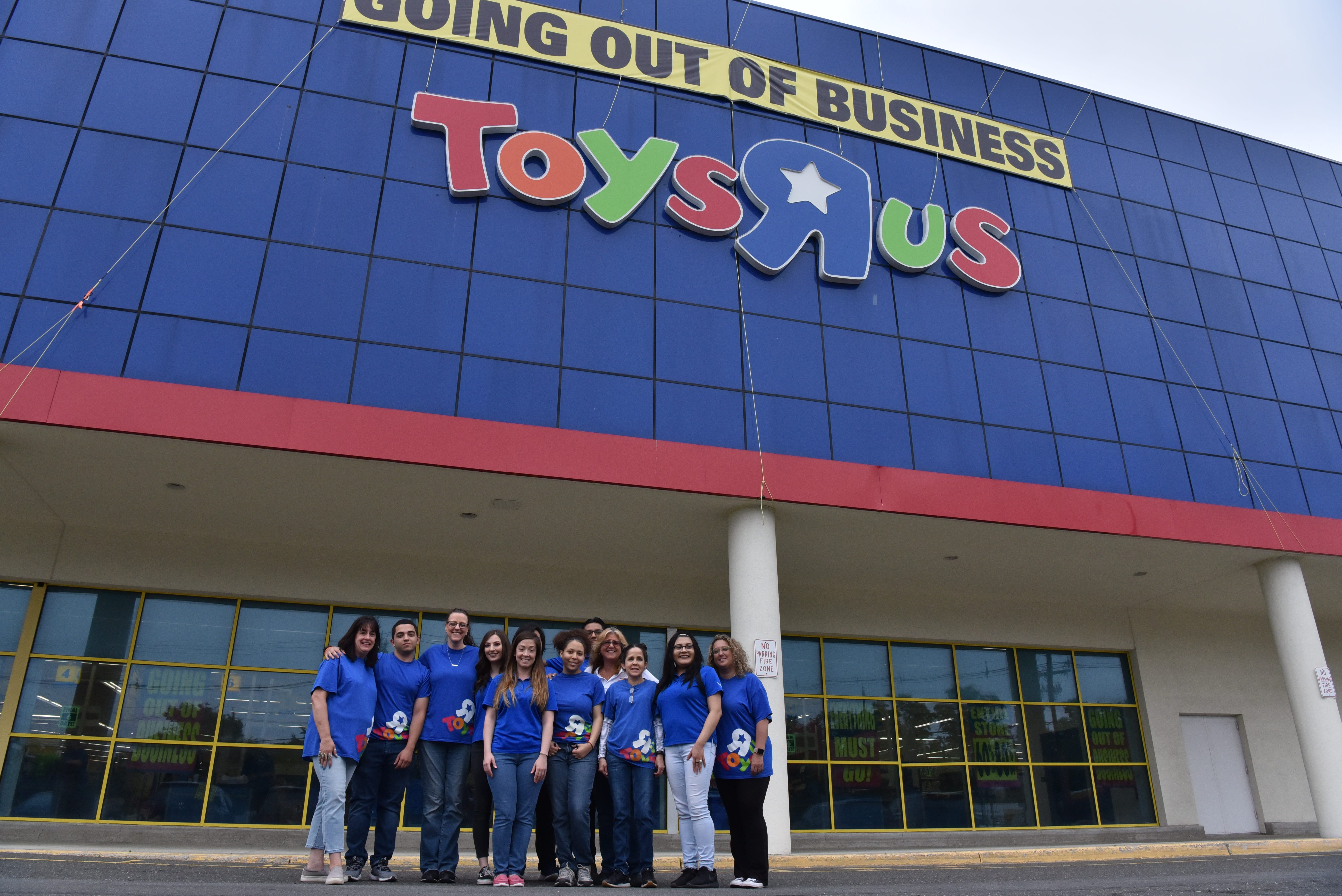 Toys R Us coming back this holiday season, opening store in ...