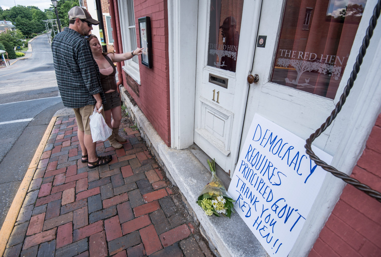 Social media light up after restaurant dissed Sarah Huckabee Sanders