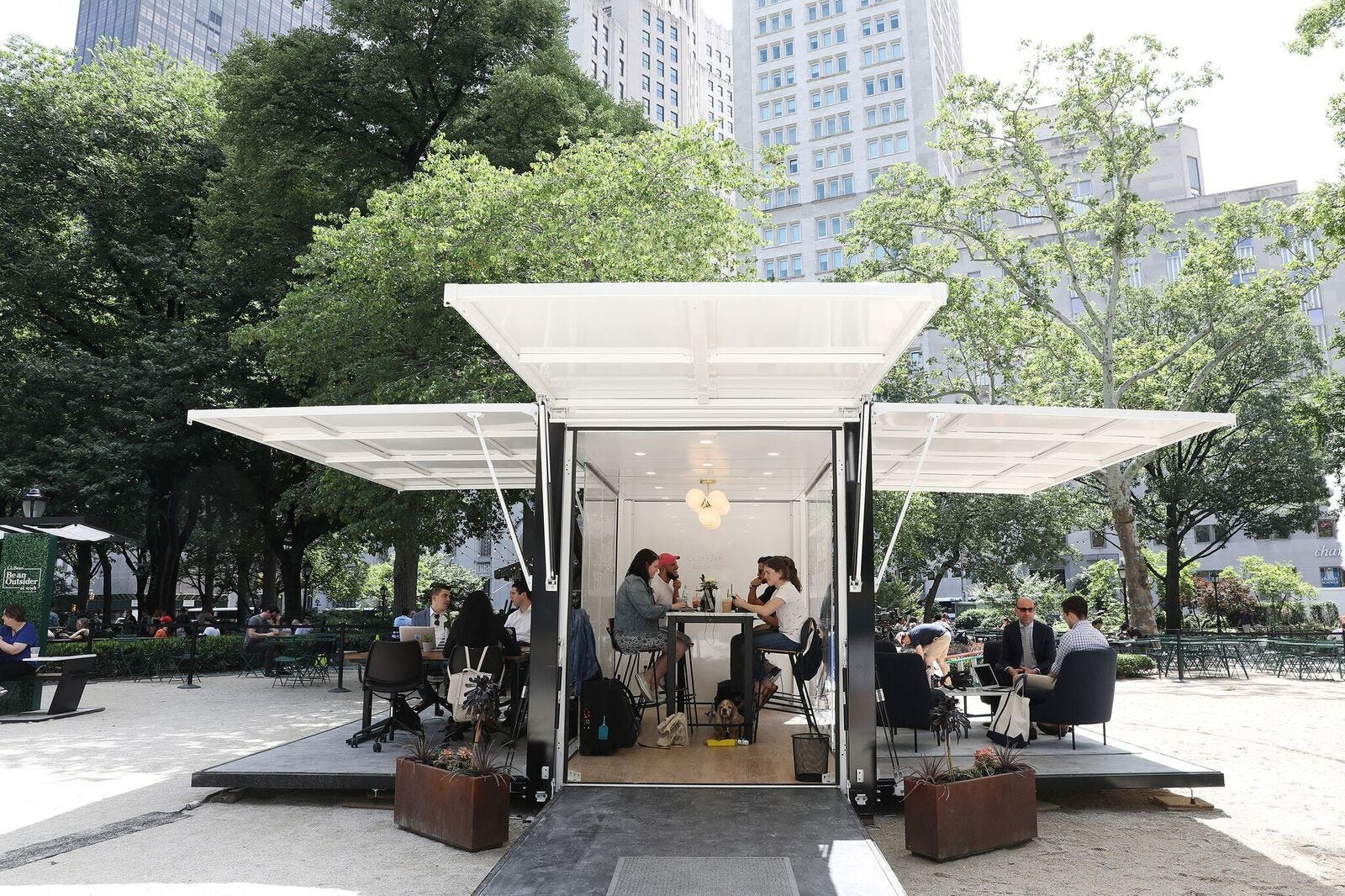 Delicieux Desk, Swivel Chair, Trees: Why Companies Are Moving The Office Outdoors