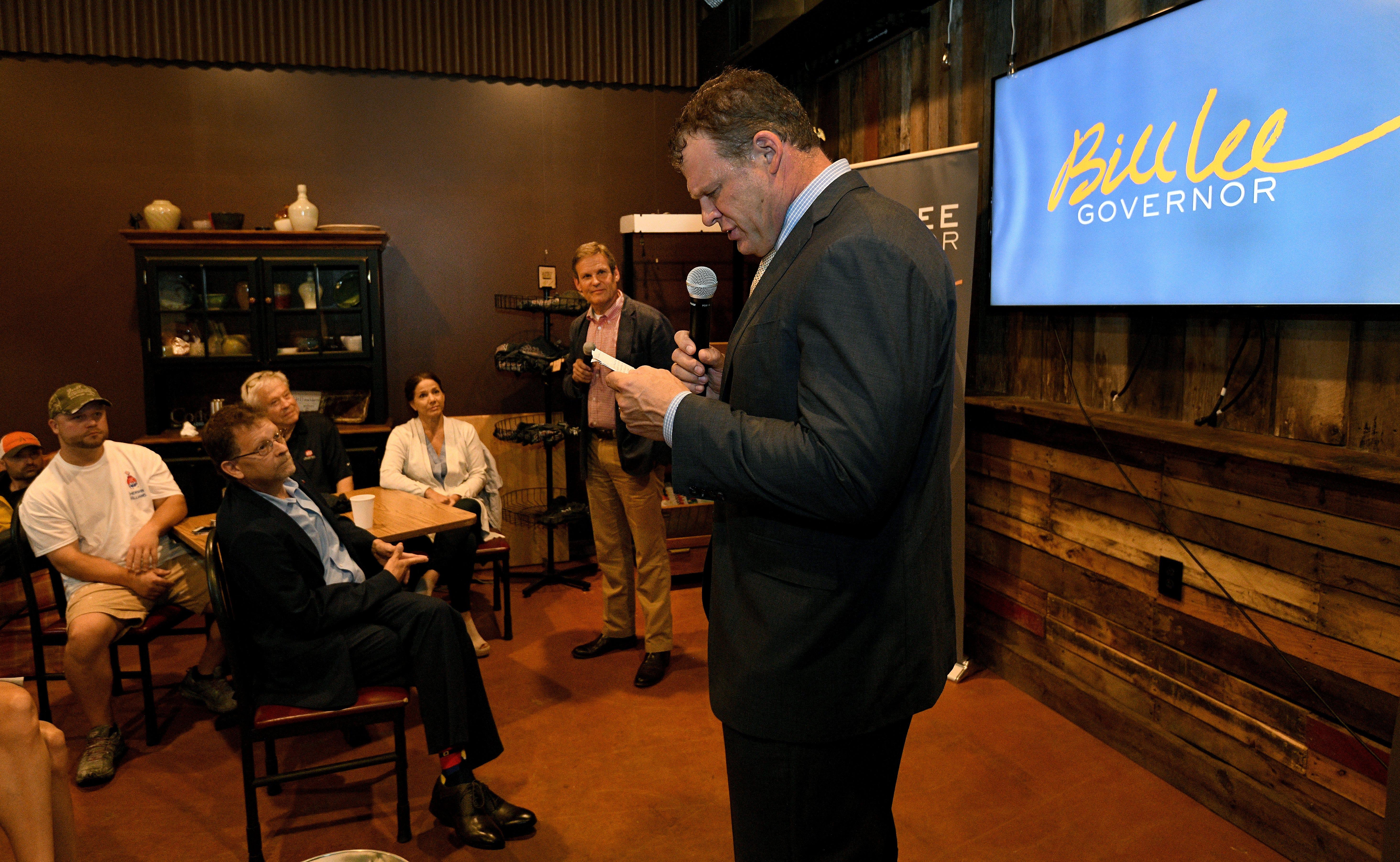 http://www.knoxnews.com/picture-gallery/news/politics/2018/06/28/bill ...