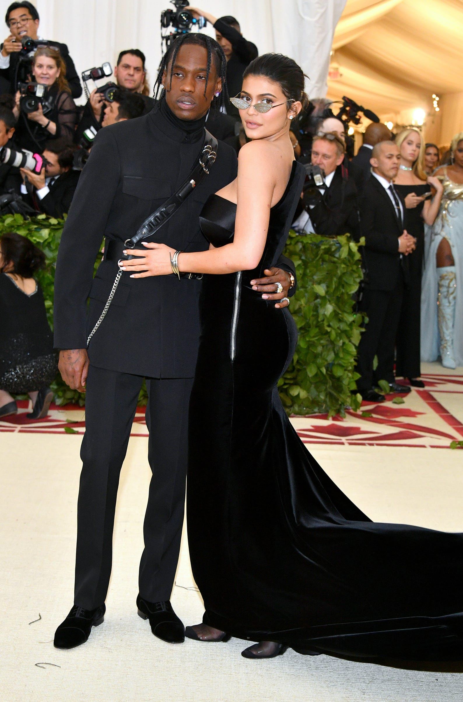 Young Love Celebrity Couples Under 23