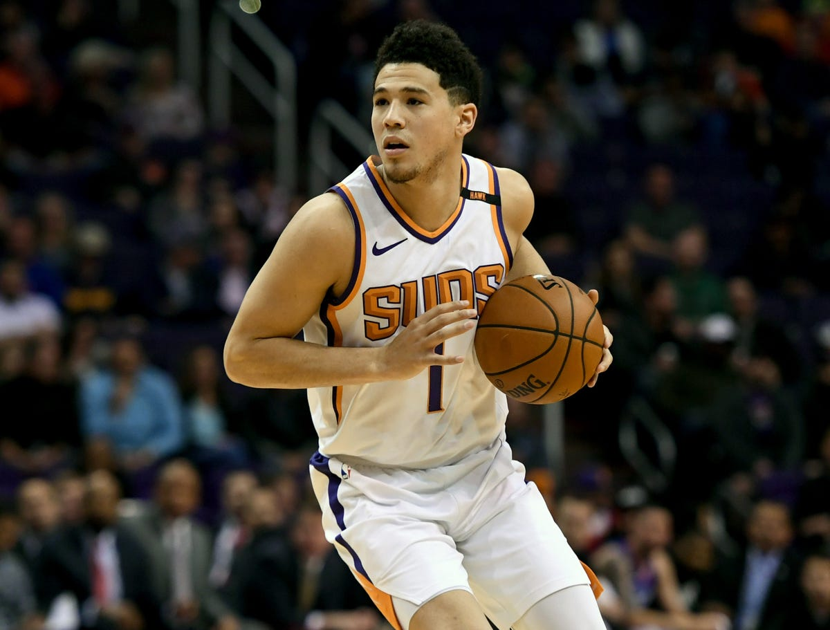 b92f12433 Devin Booker signs five-year