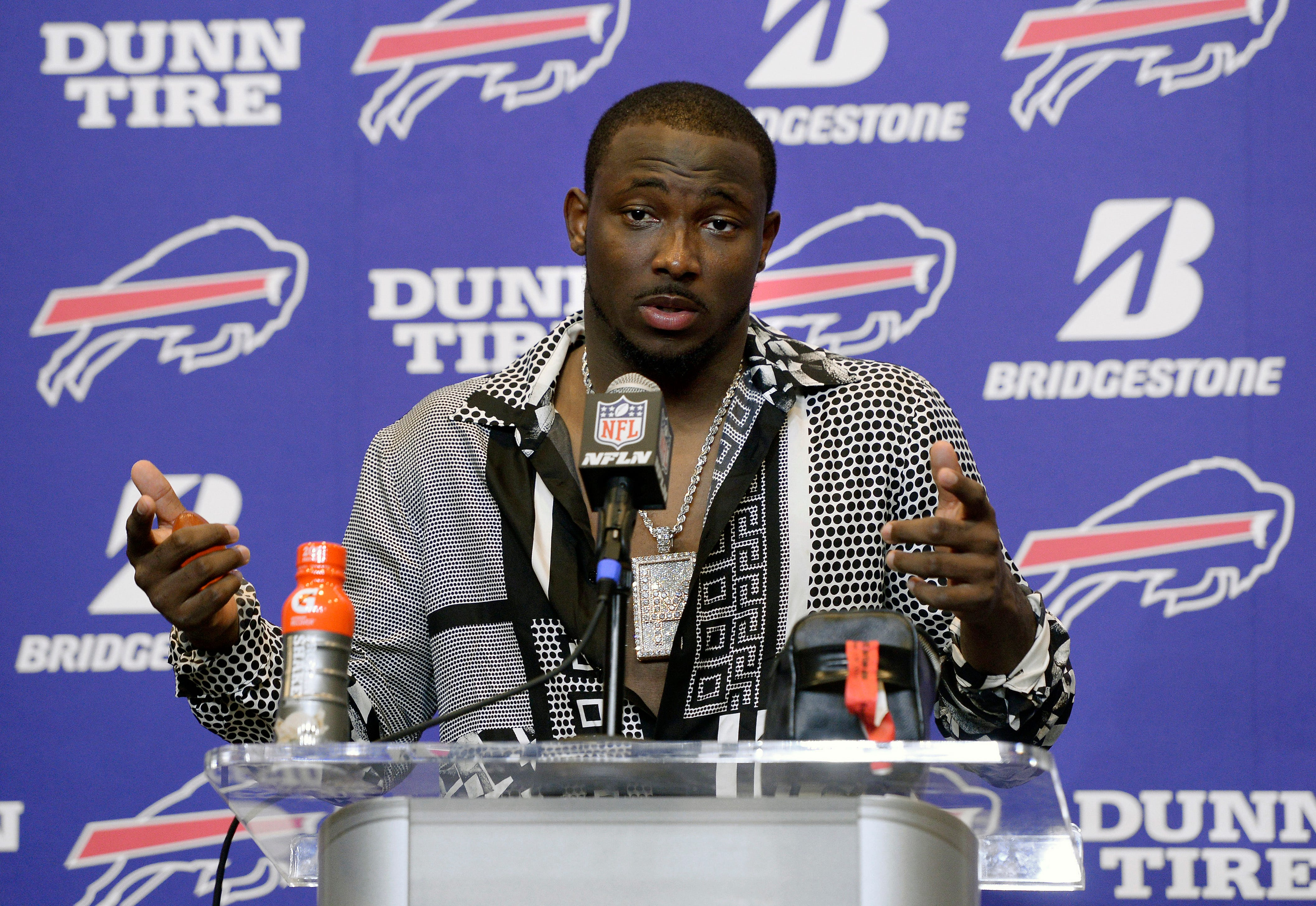 Lawyer: NFL star LeSean McCoy orchestrated assault of woman