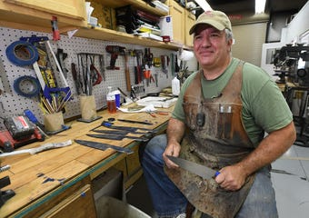 Greer man makes custom knives