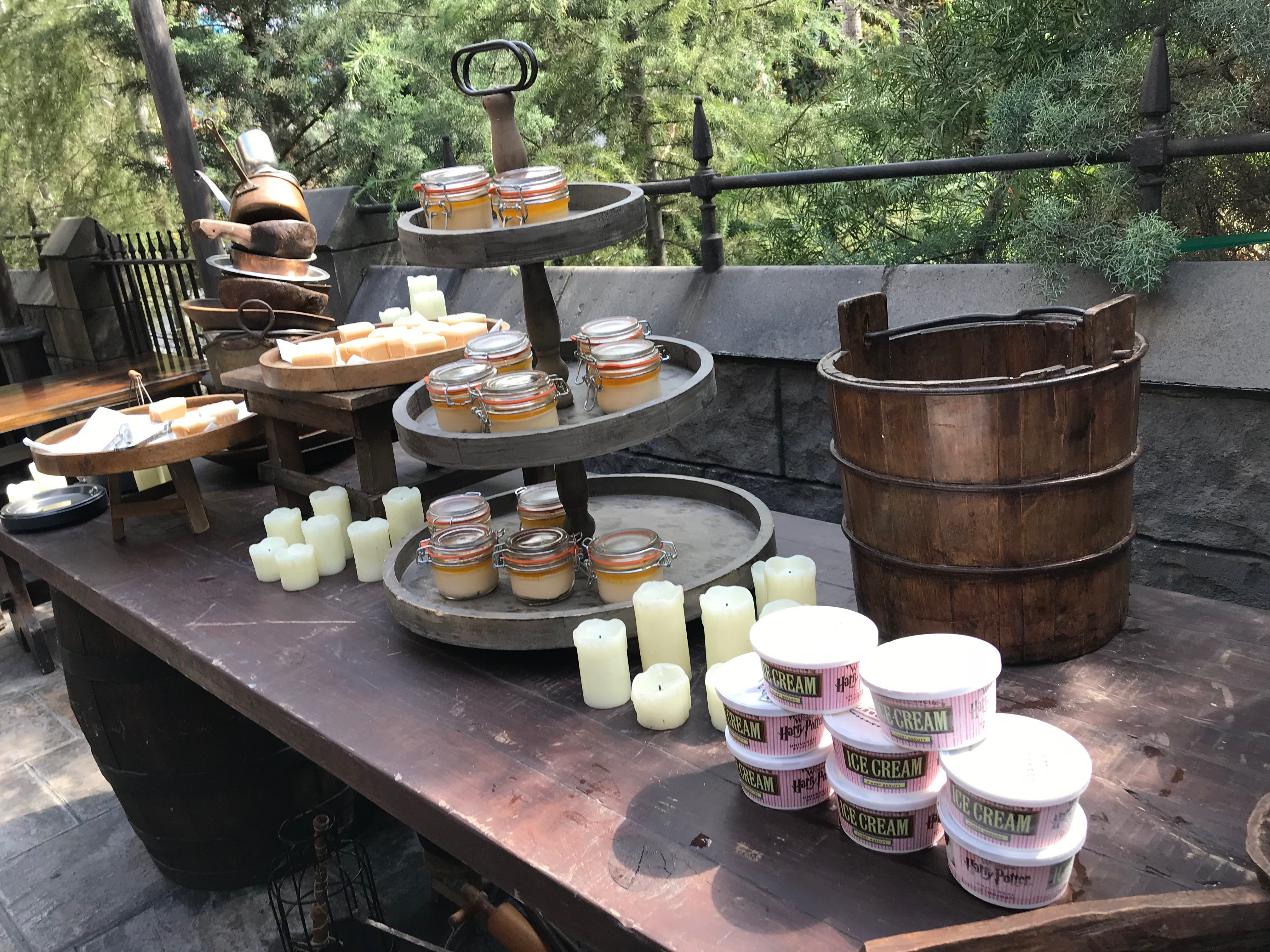 Taste test: New Butterbeer Ice Cream at Harry Potter's Wizarding World   USA Today