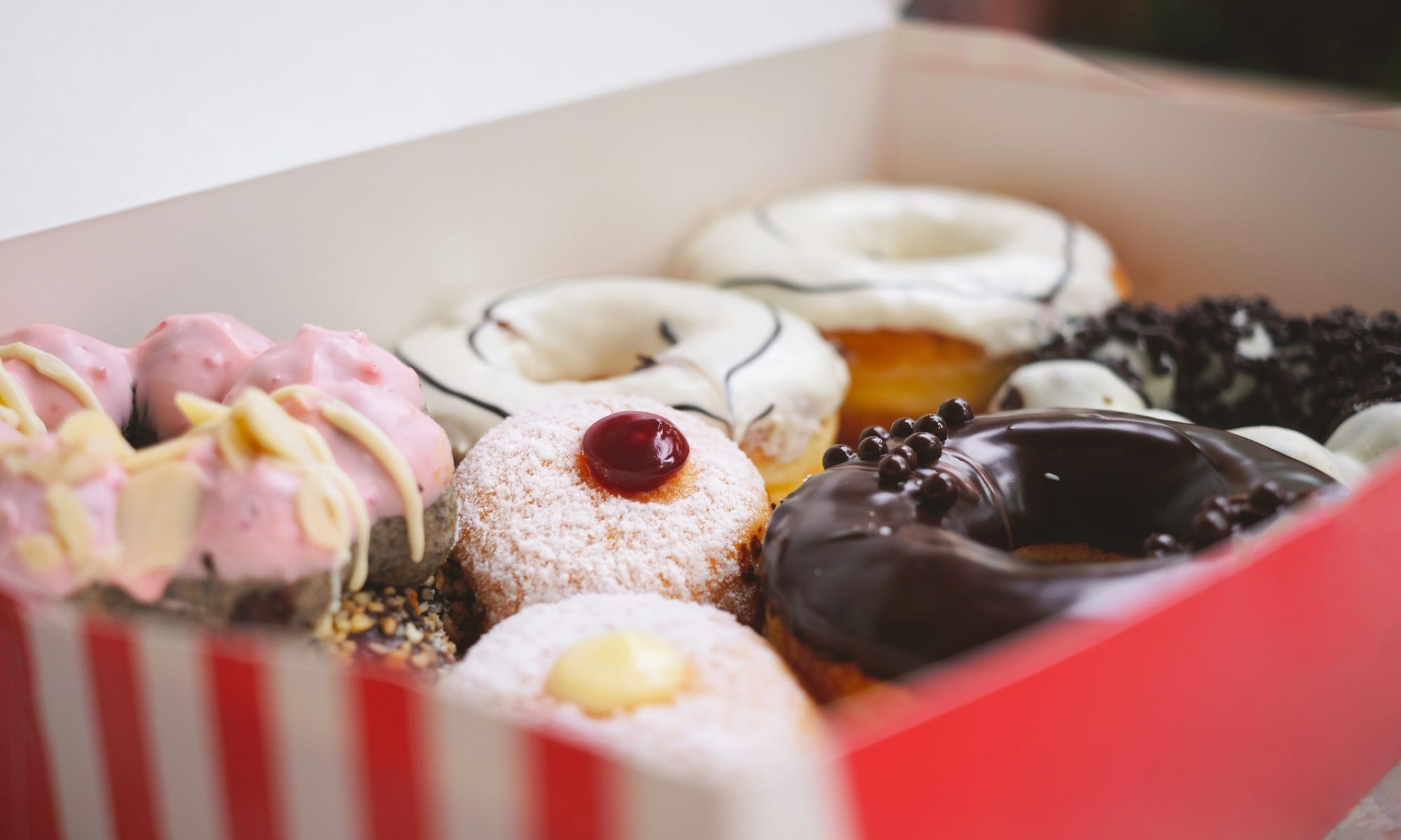 Why your local doughnut shop uses a pink box   USA Today