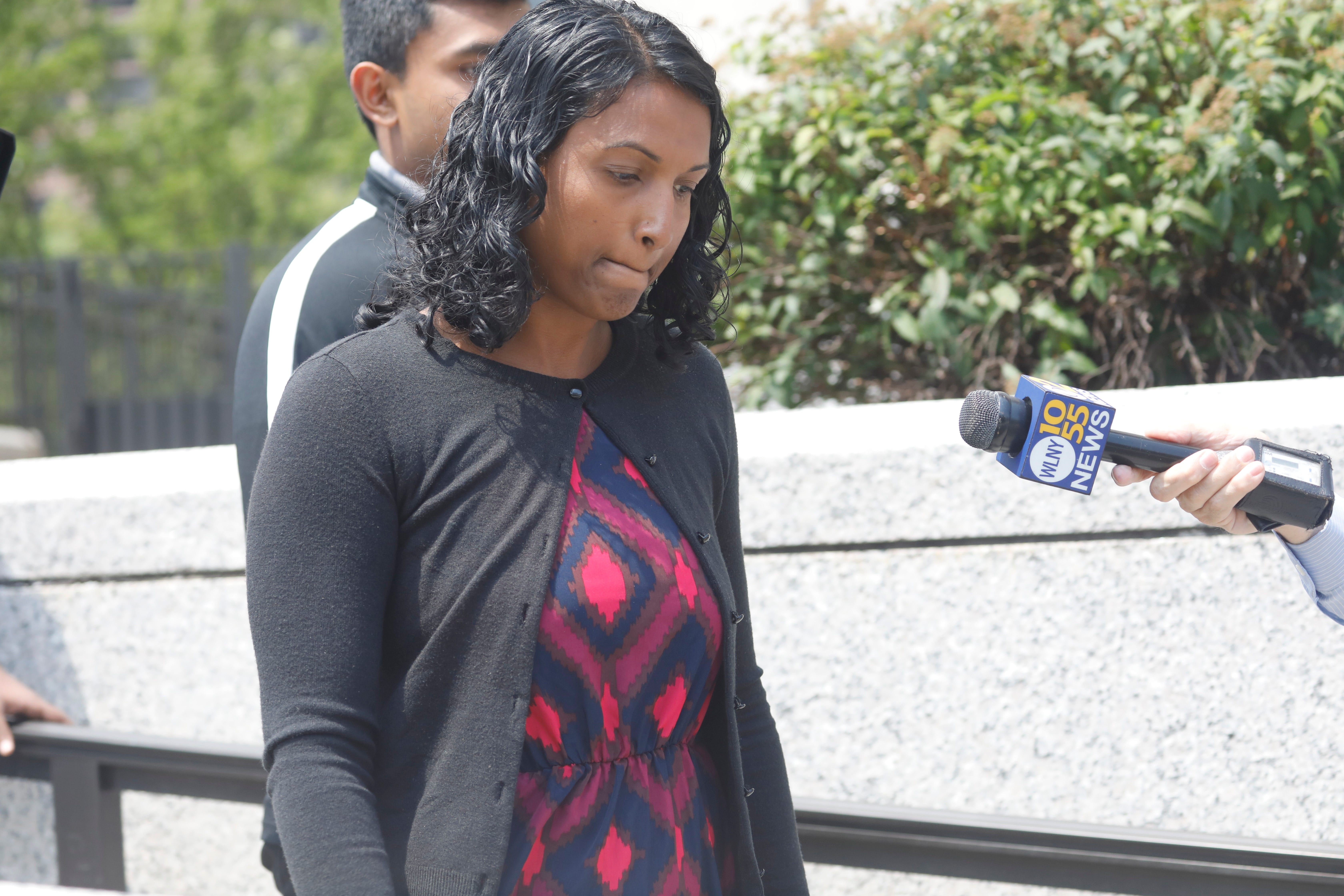 Video: Cancer Scam mom donators react to sentencing