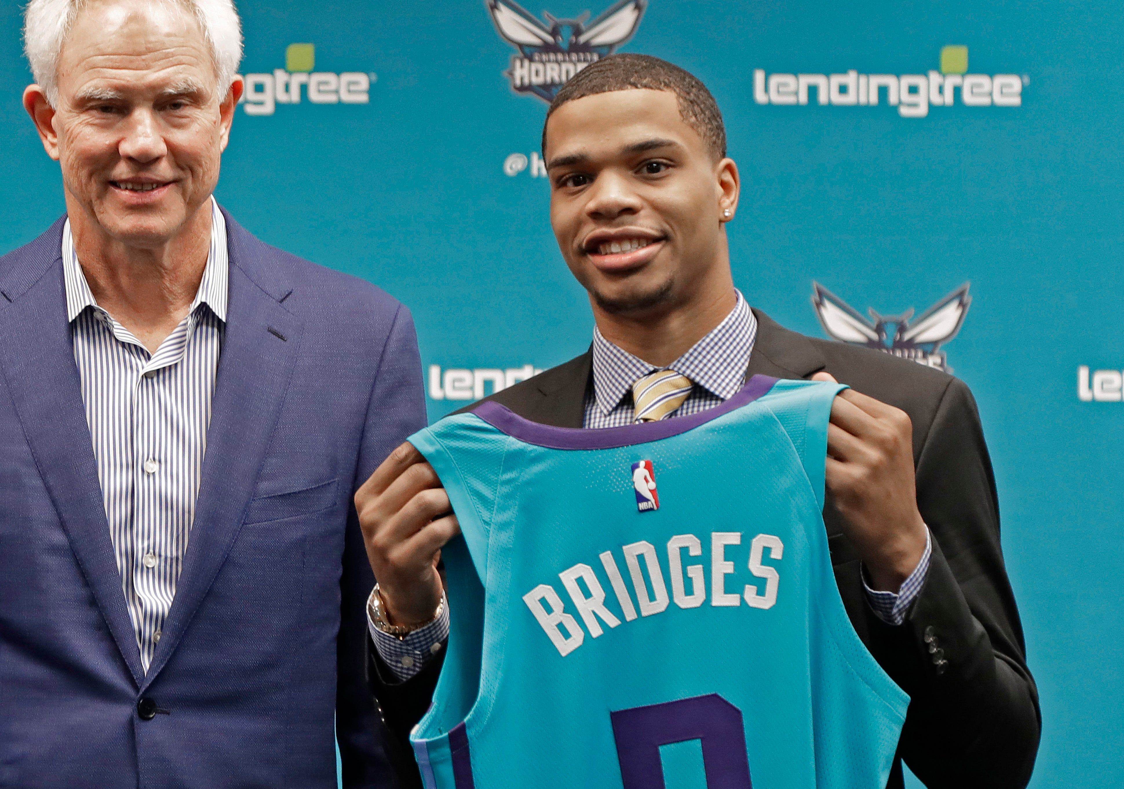 Hornets rookie tried to pull off ridiculous off-the-backboard dunk