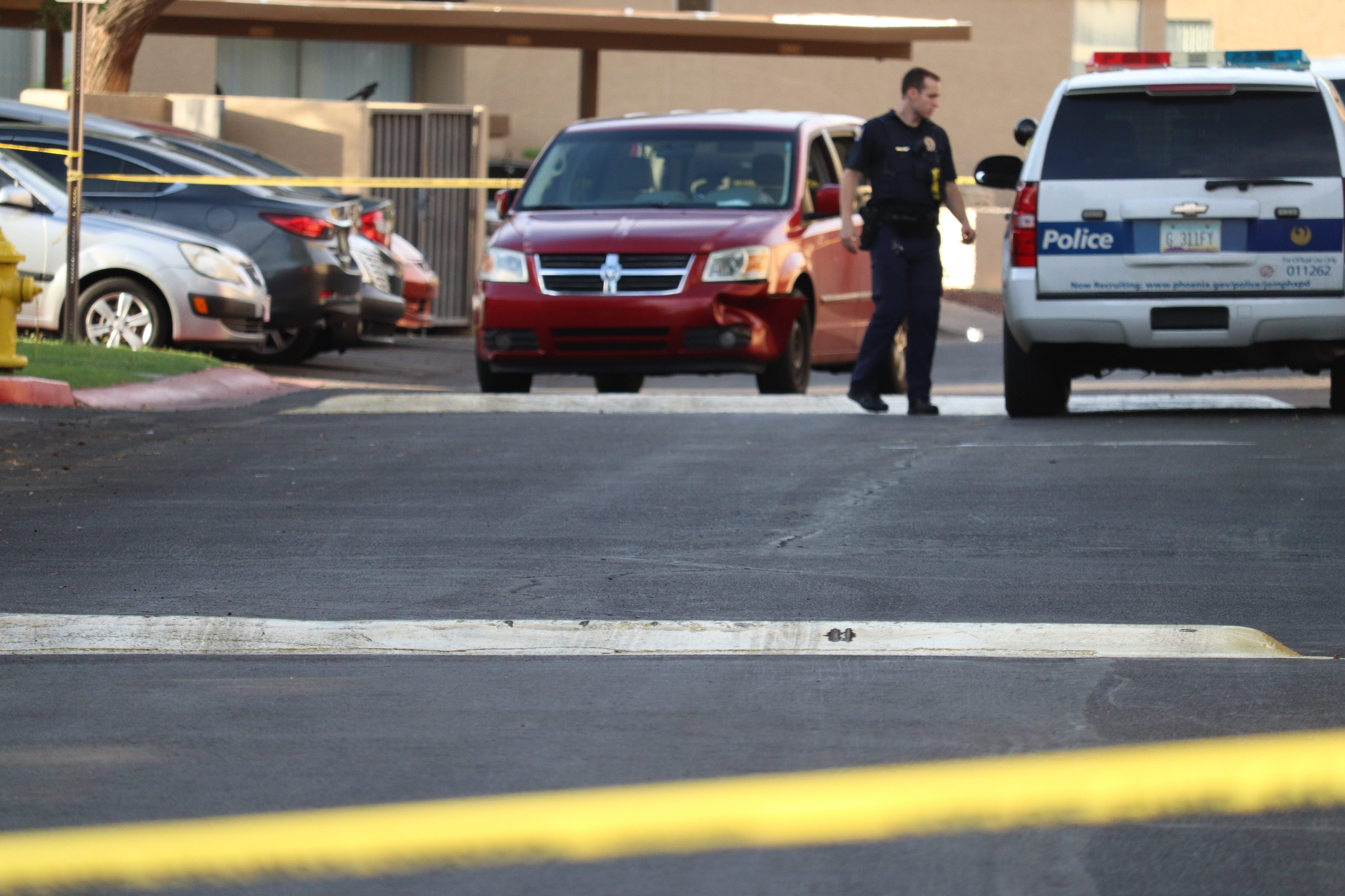 Police chase leads to arrest of adult, 7 juveniles in convenience store armed robberies | AZ Central