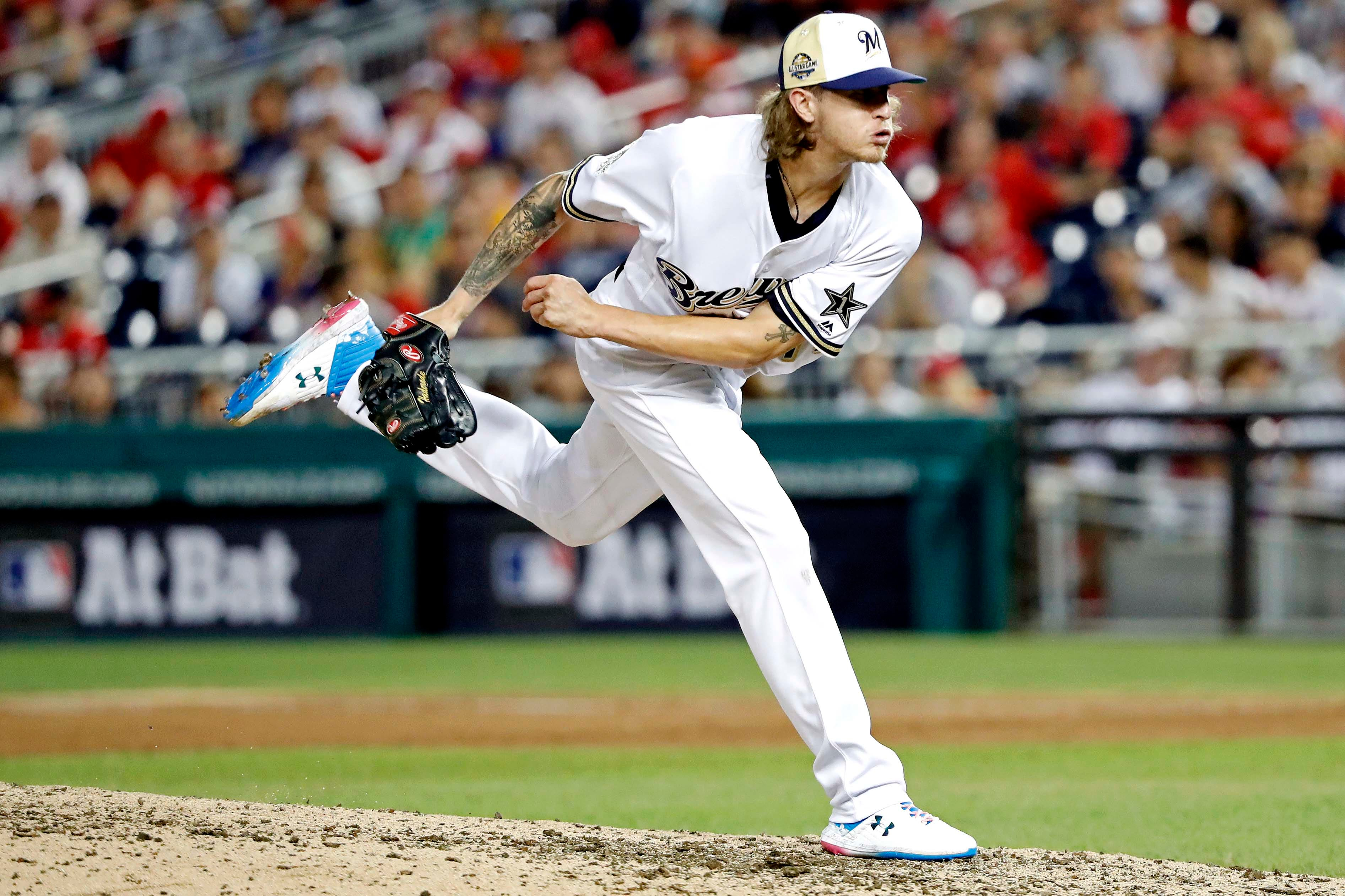 Josh Hader apologizes for racist tweets, claims they 'don't reflect any of my beliefs now'