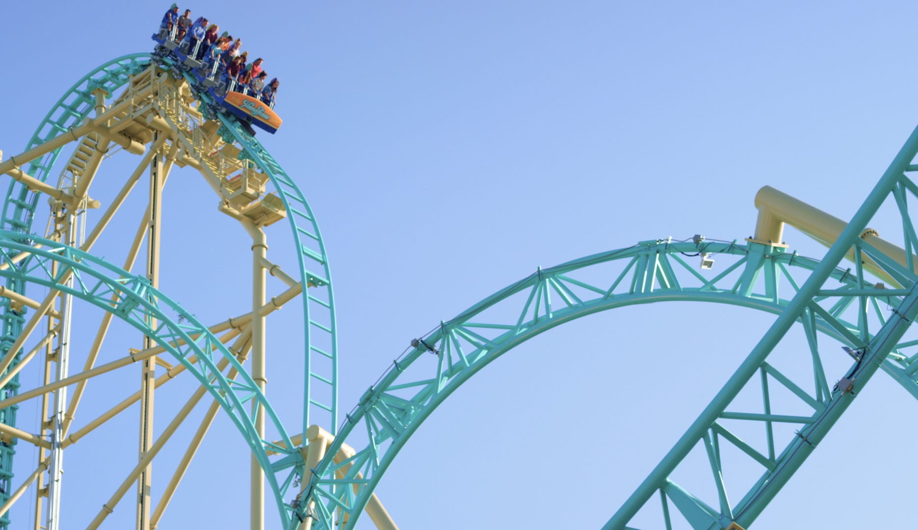 HangTime coaster review: Knott's Berry Farm leaves you hanging   USA Today