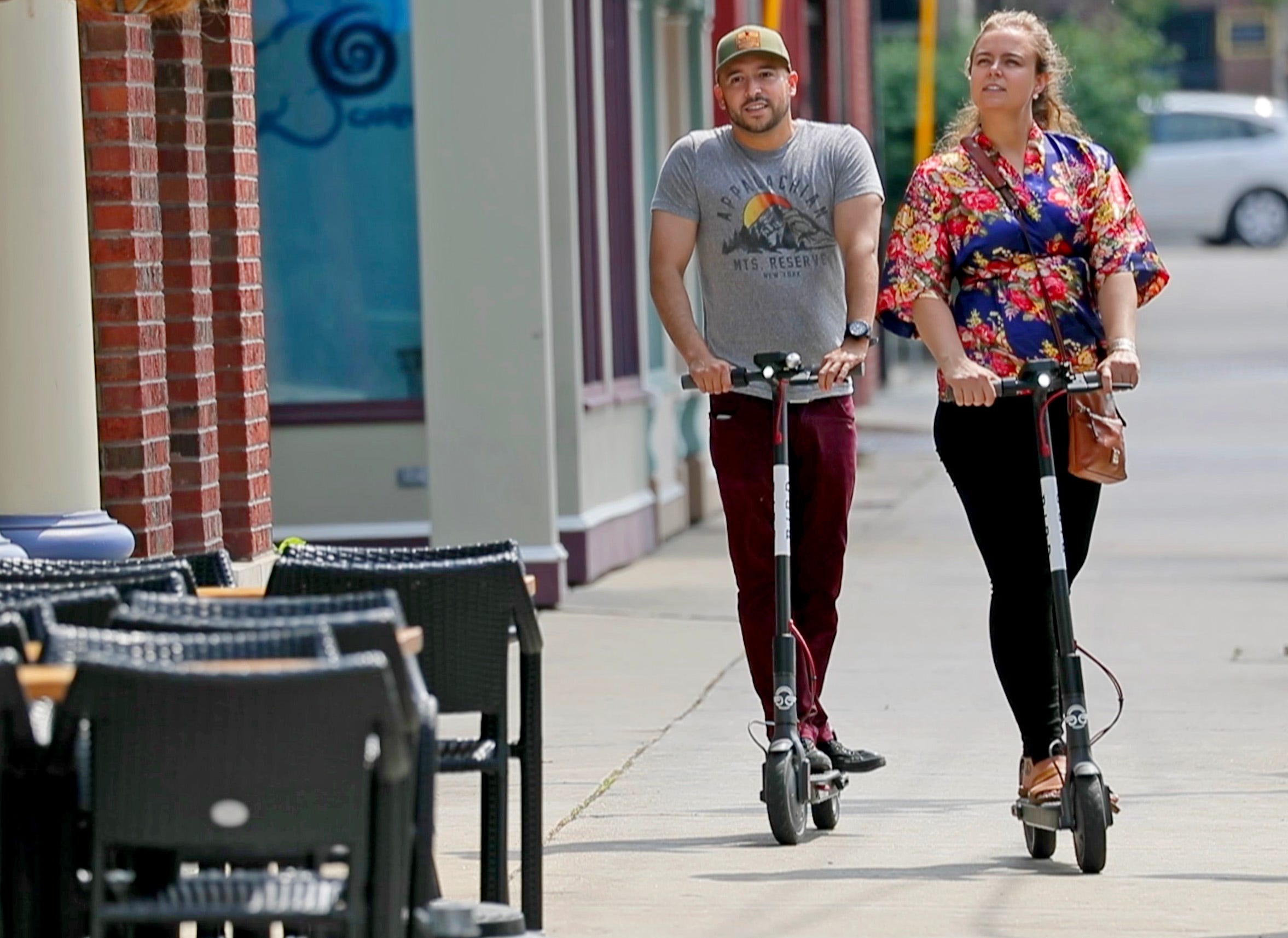 City leaders rip Bird, Council committee votes to remove illegal scooters from the street | Milwaukee Journal Sentinel