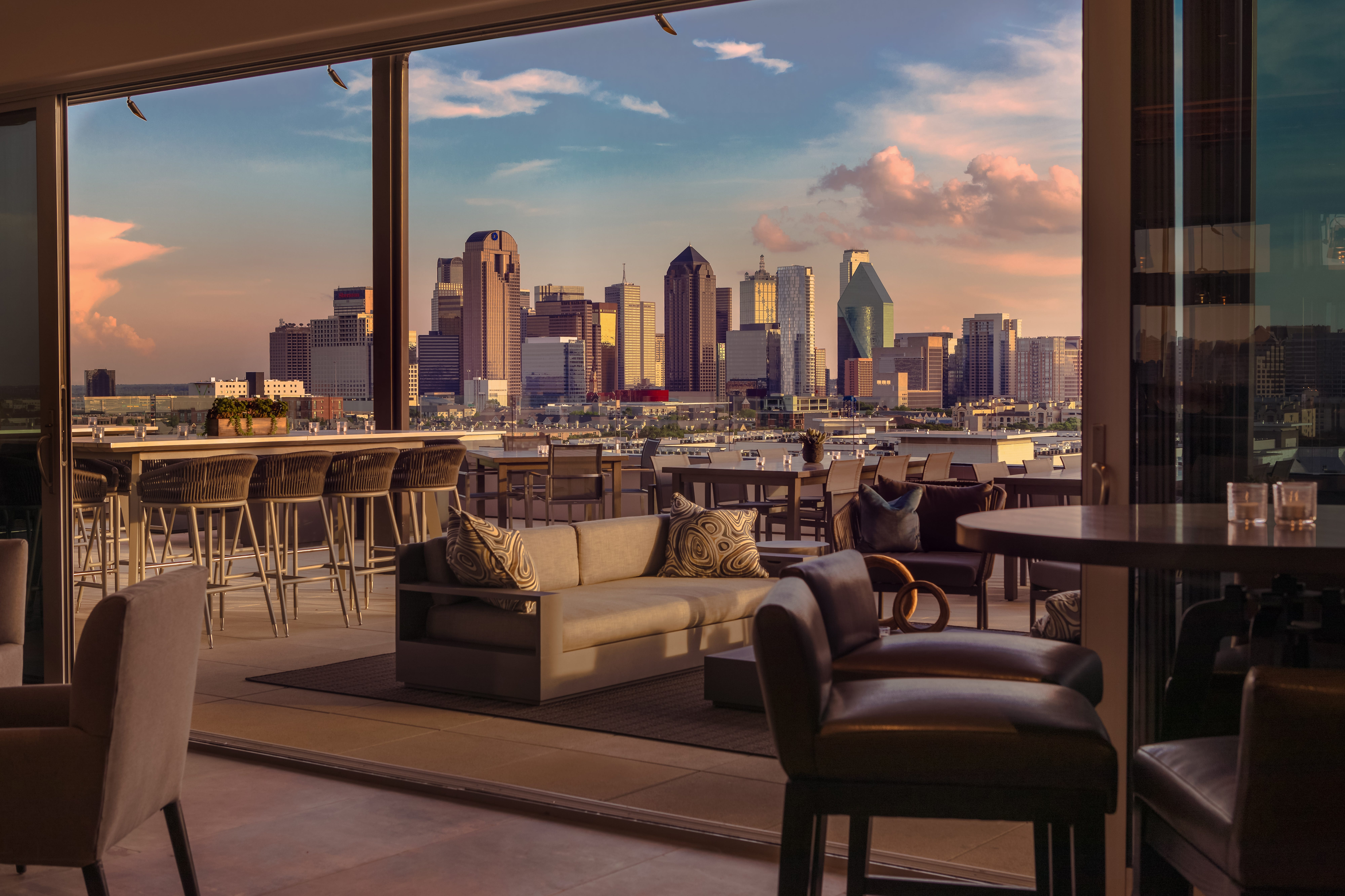 Hotels reach new heights with rooftop bars   USA Today