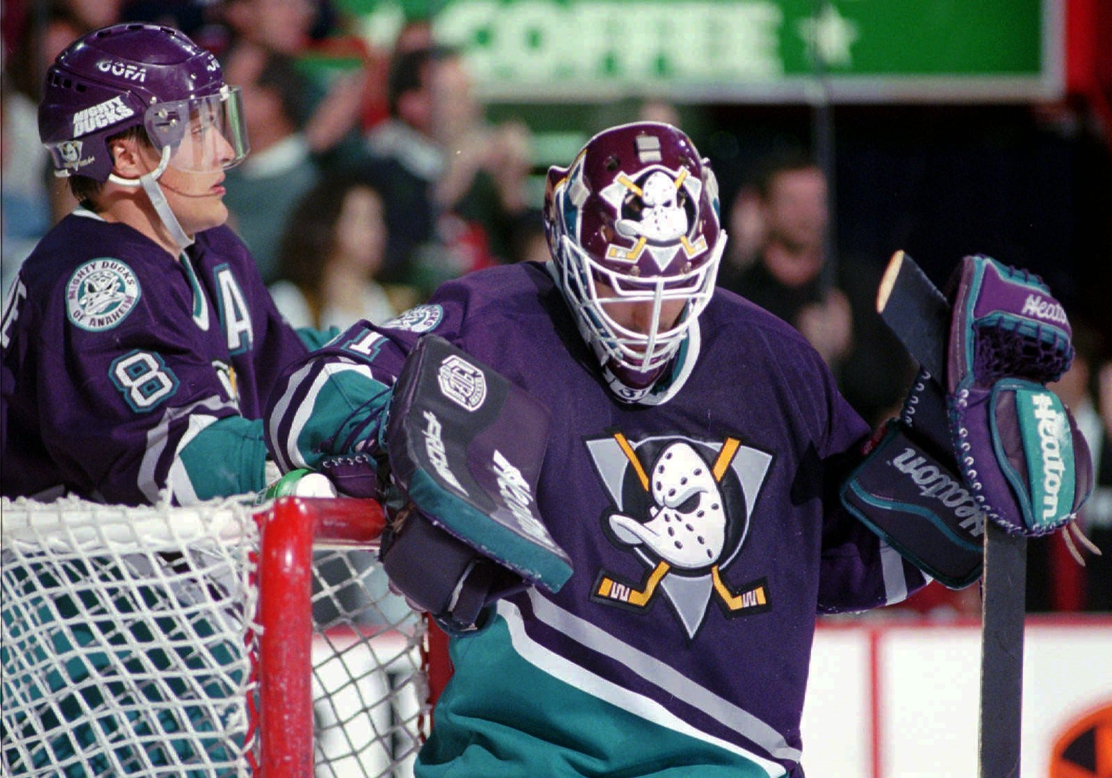 718369fc2 ... wholesale mighty ducks throwback jersey unveiled for anaheim ducks 25th  anniversary 6 months ago 27a17 b8994