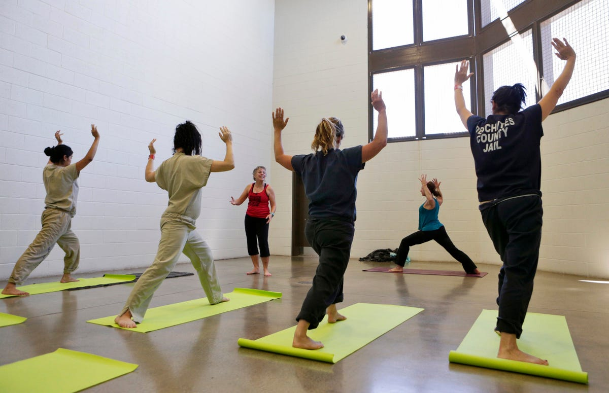 Yoga may help female Deschutes County inmates stay calm