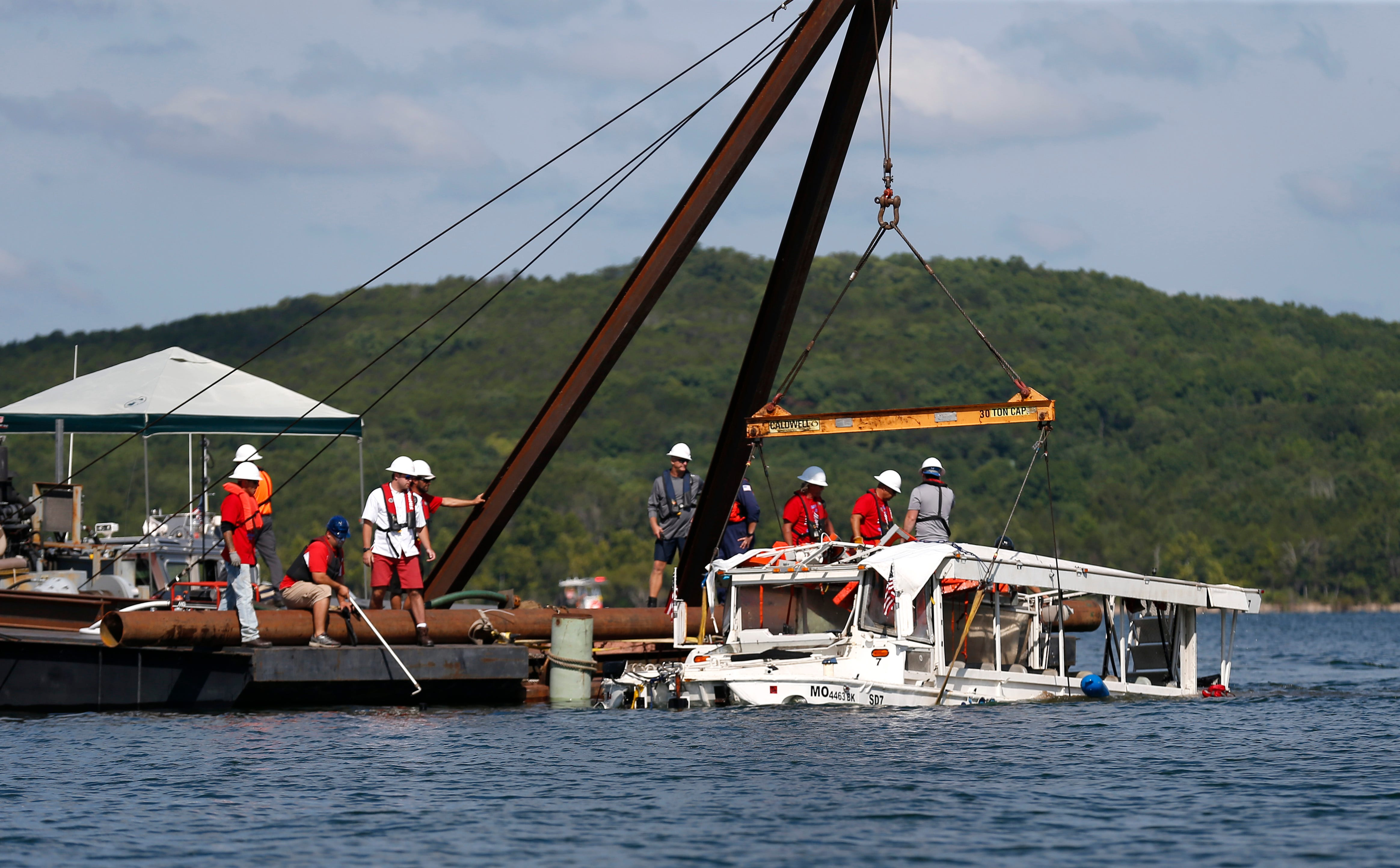 Branson duck boat captain took note of the weather before deadly voyage, NTSB says