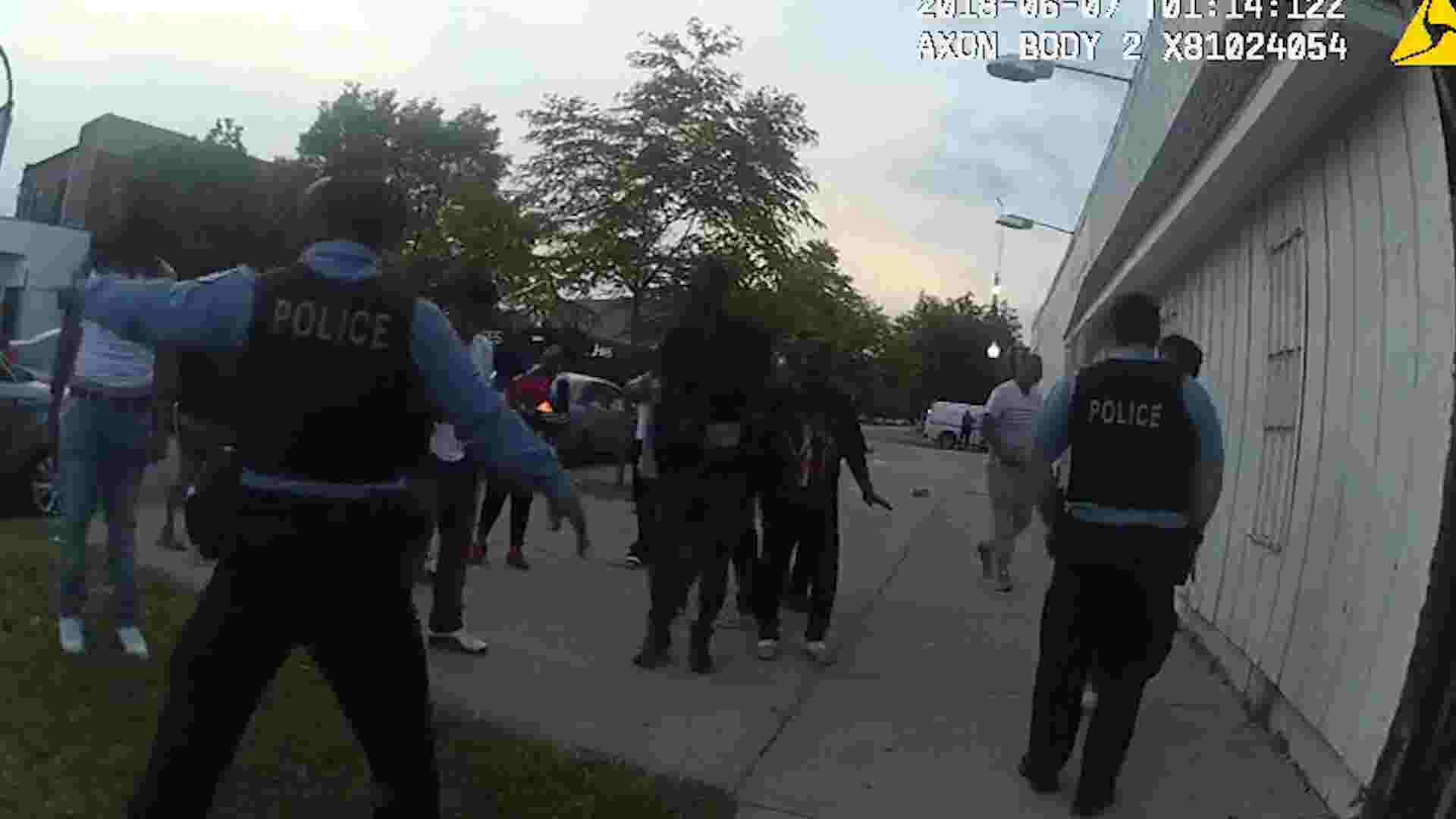body cam videos show fatal police shooting of maurice granton in chicago
