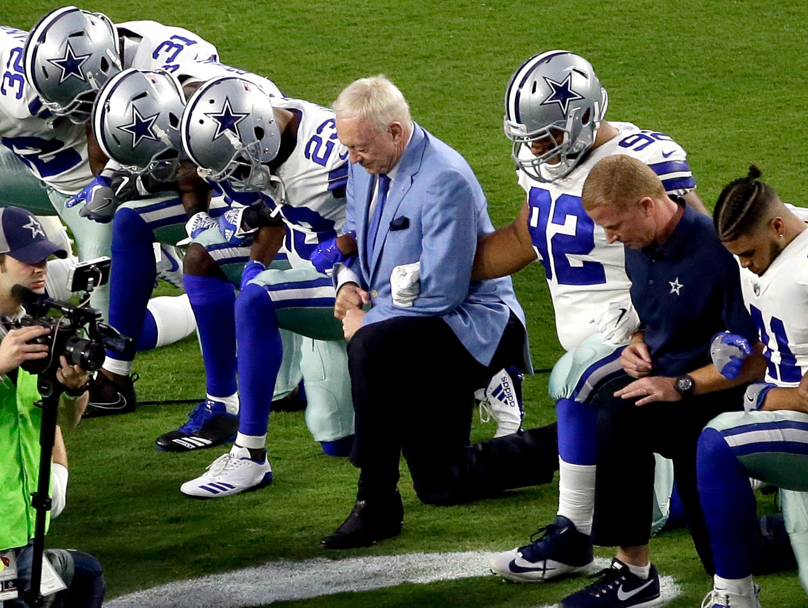 Stephen Jones: 'If they want to be a Dallas Cowboy,' players better stand for anthem