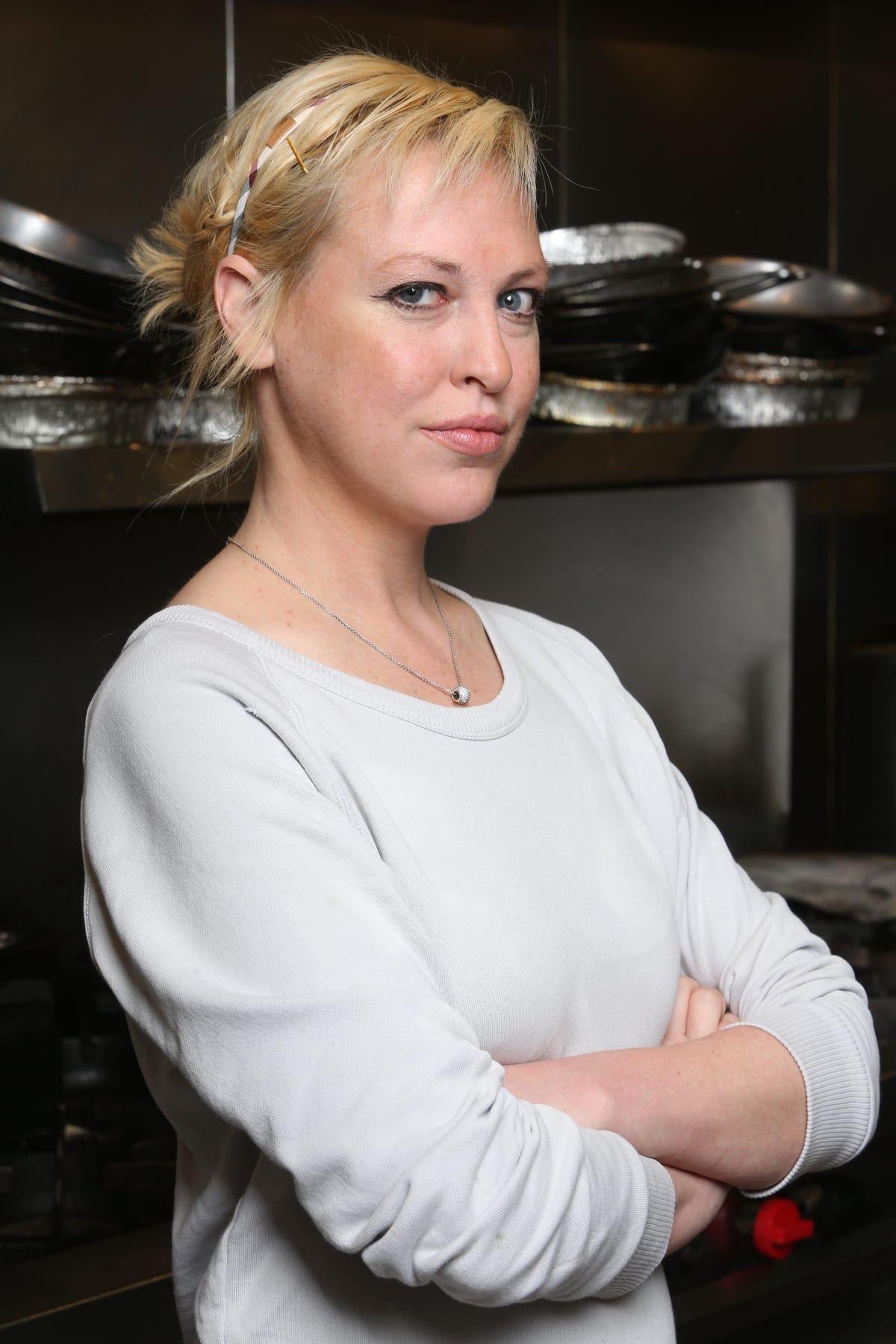 Sensational Jessica Vogel Former Hells Kitchen Contestant Dies At Home Interior And Landscaping Synyenasavecom