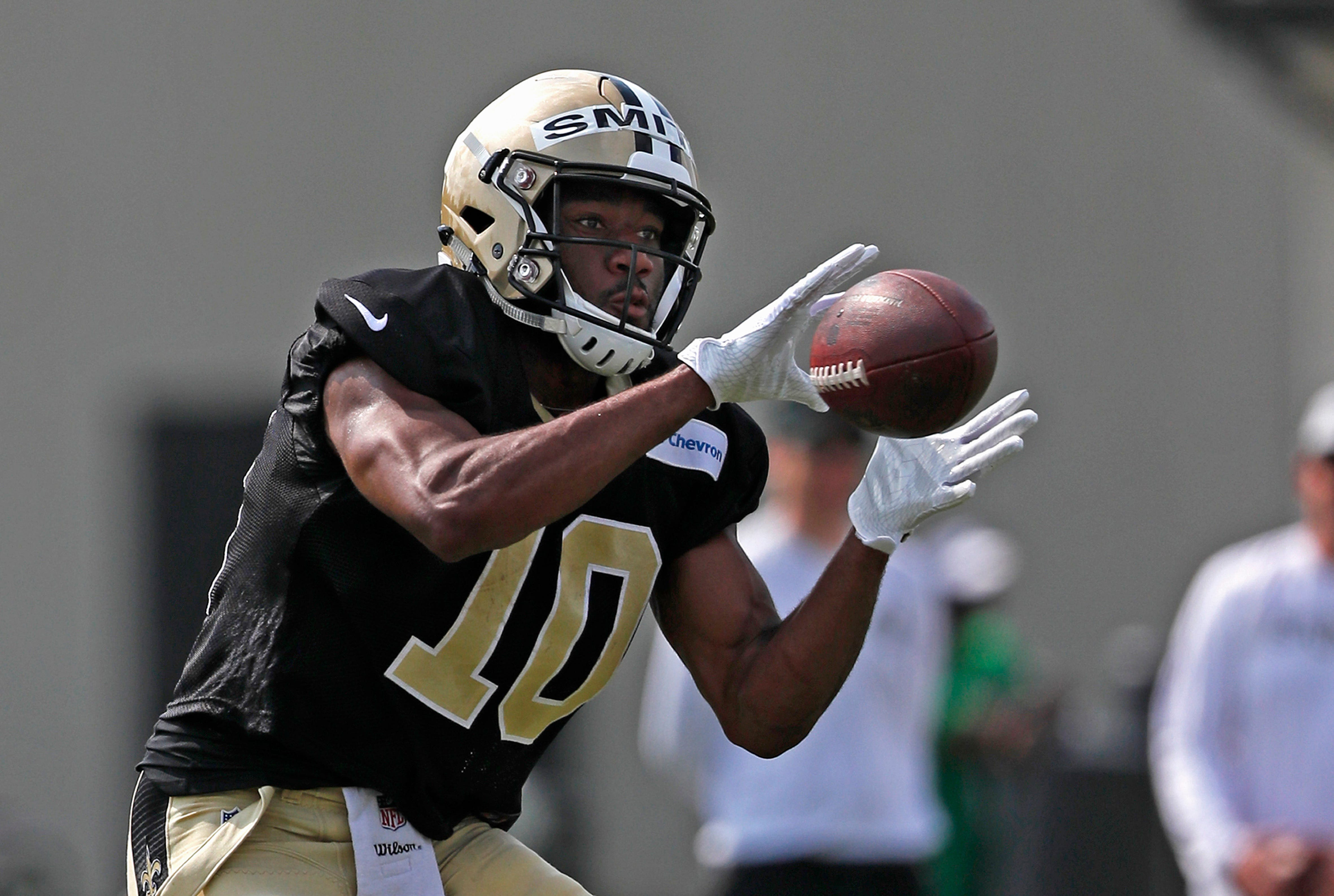 Saints' pass game evolving as Meredith, Smith vie for snaps