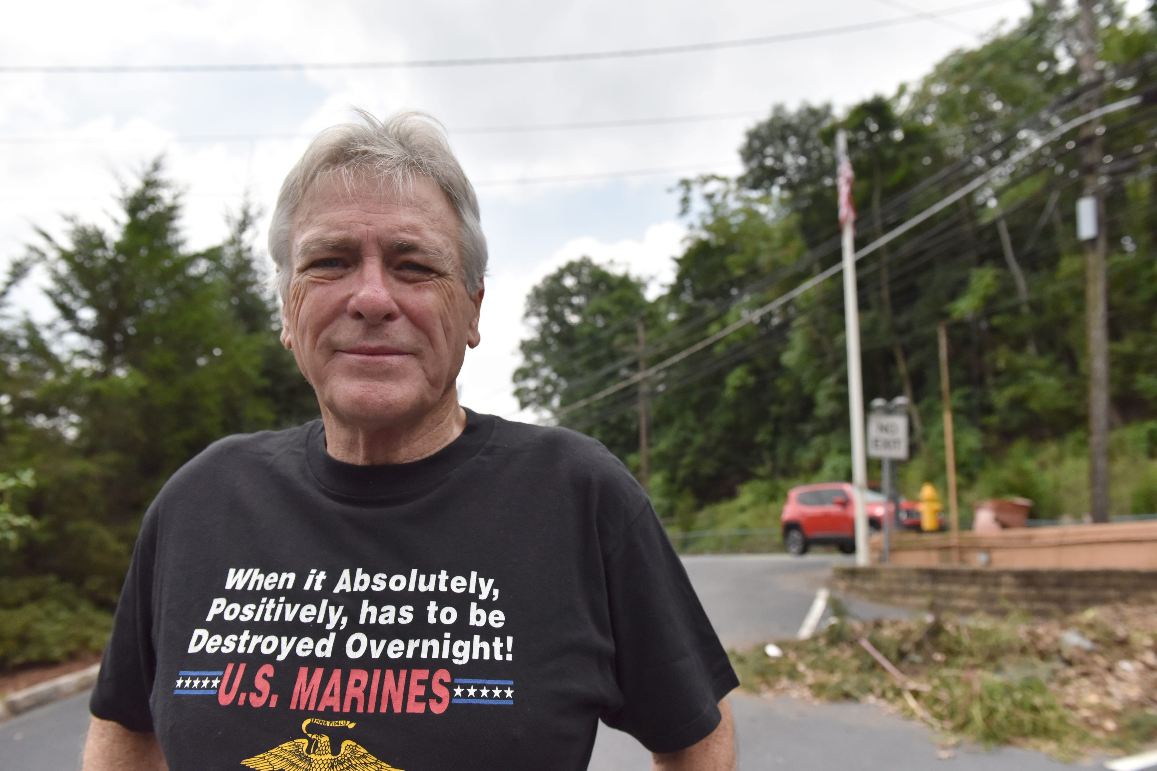 'I won't stand for it': Ex-Marine pulls down mysterious Confederate flag in New Jersey town
